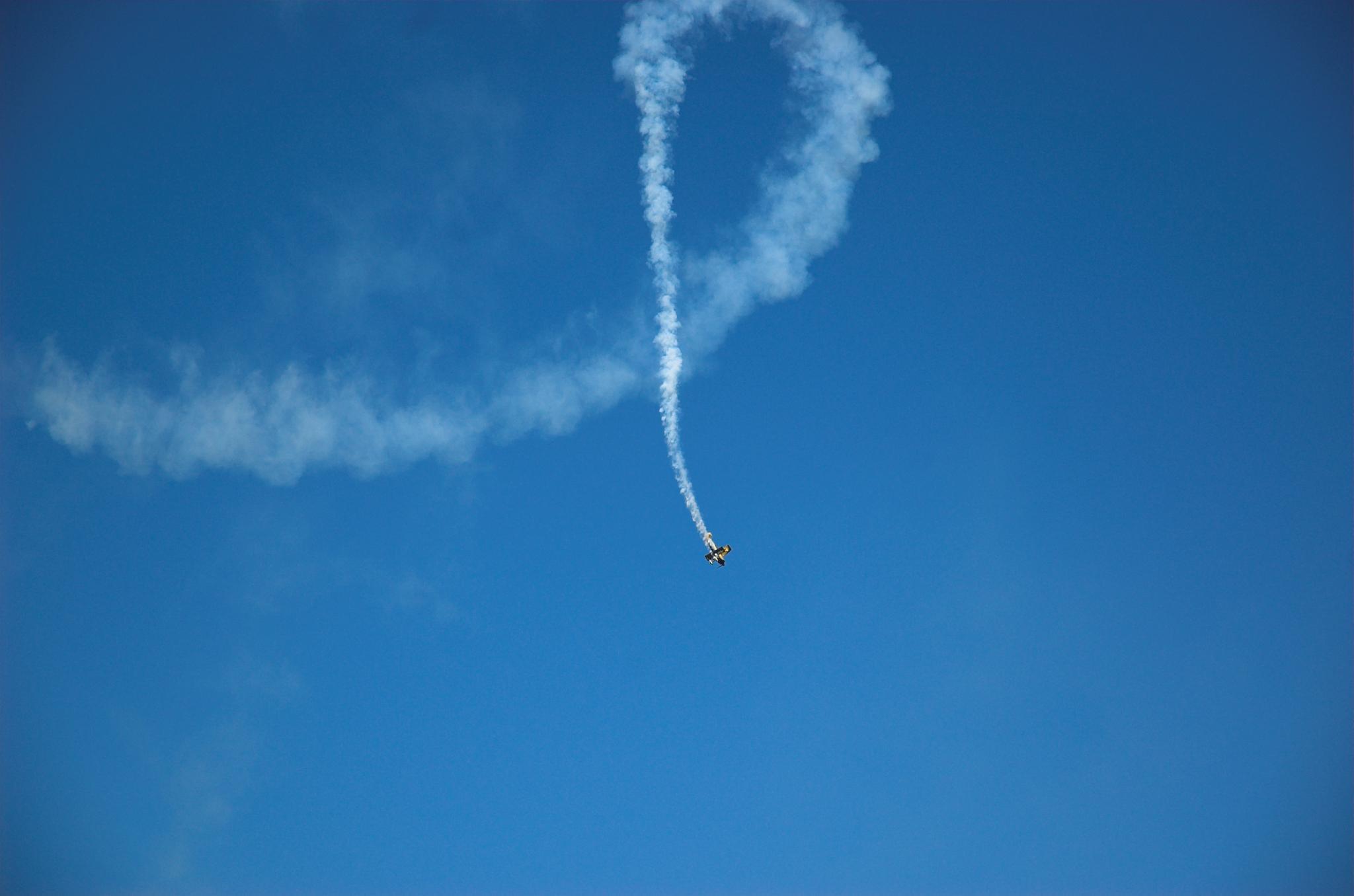 Air acrobat by Rebecca Tourniaire