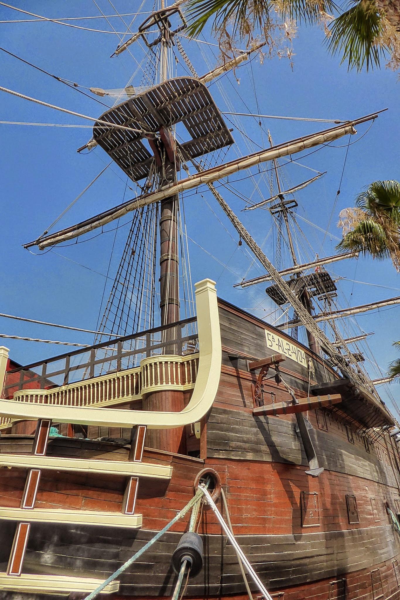 En el puerto by Javier Heras Miguel