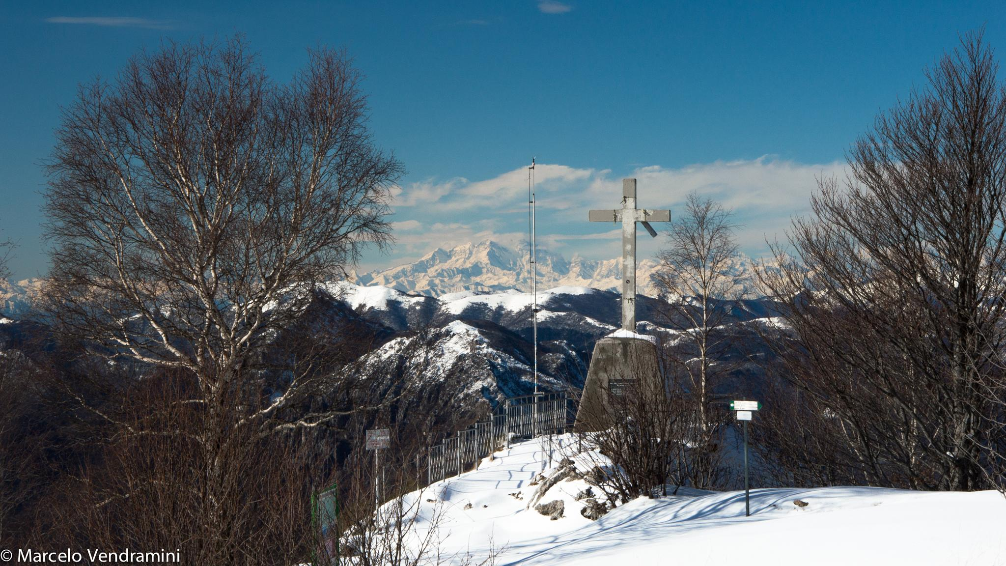 La Croce at Piani D'Erna for those arriving at the top by Marcelo Vendramini