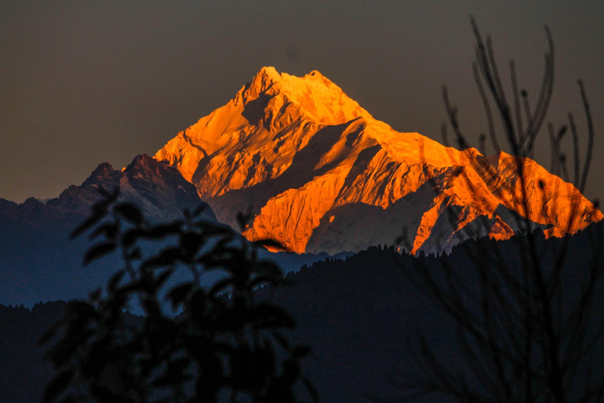 Mt Kanchenjonga from Gangtok, Sikkim by subhagatadey
