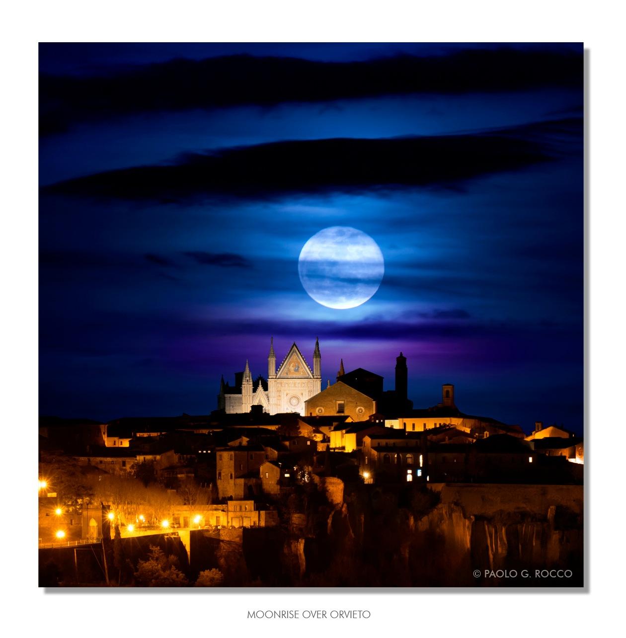 Moonrise over Orvieto by paologaetano