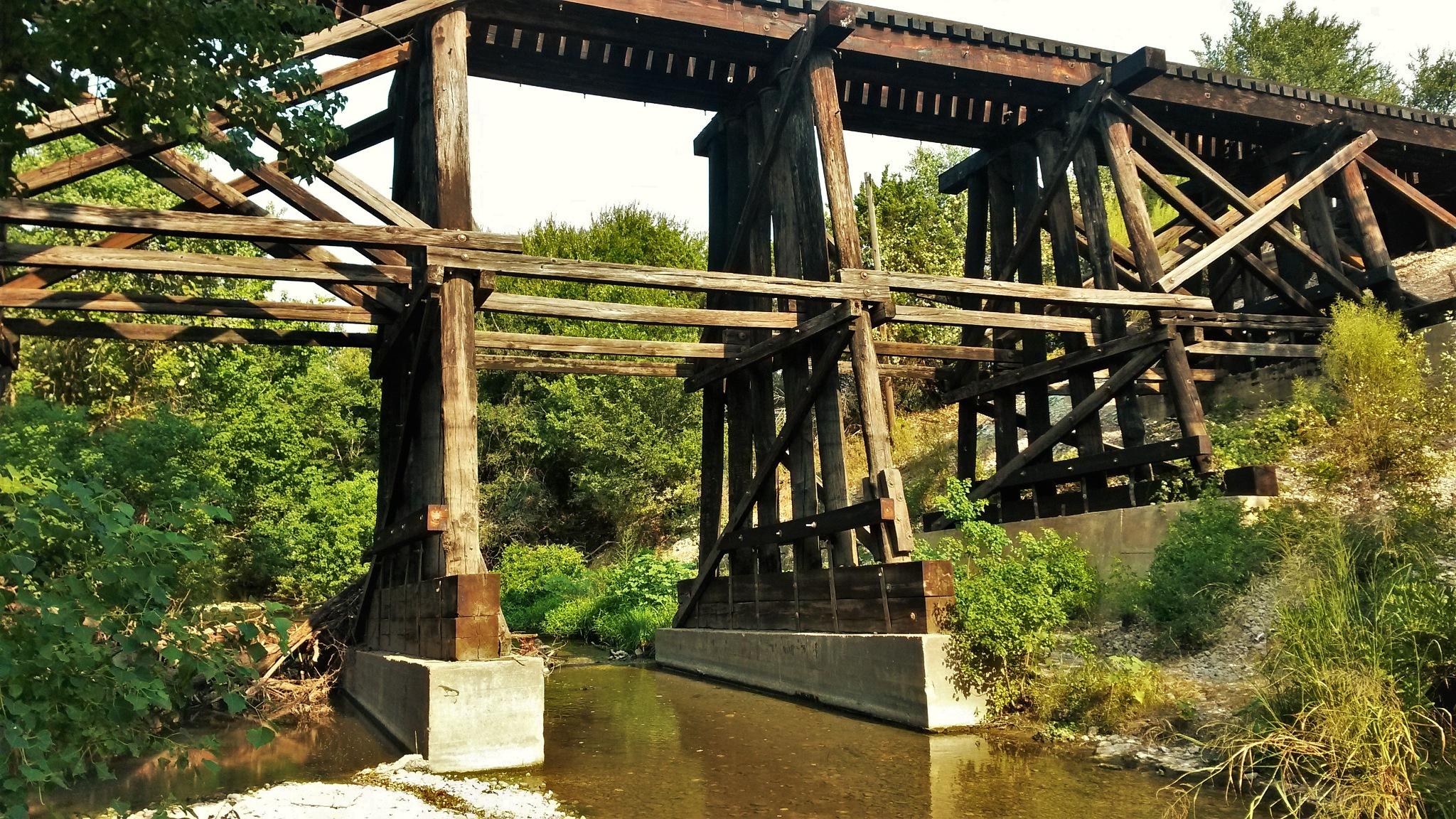 Wooden bridge by benito.floresjr