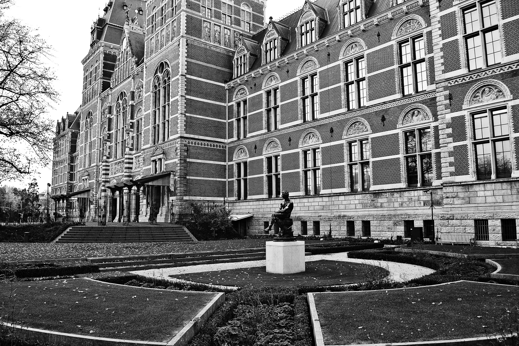 Rijksmuseum by Fred Matos