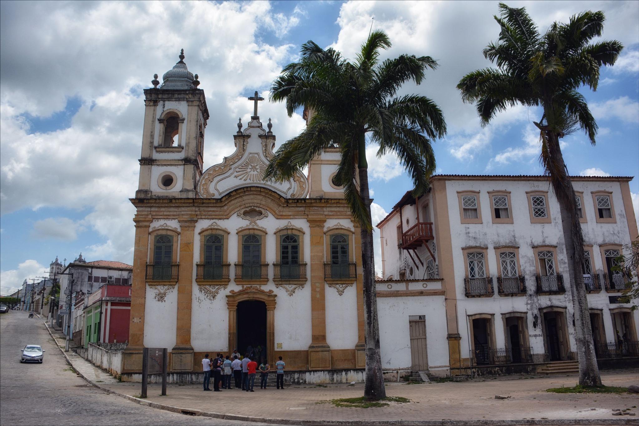 Igreja de Nossa Senhora das Correntes by Fred Matos