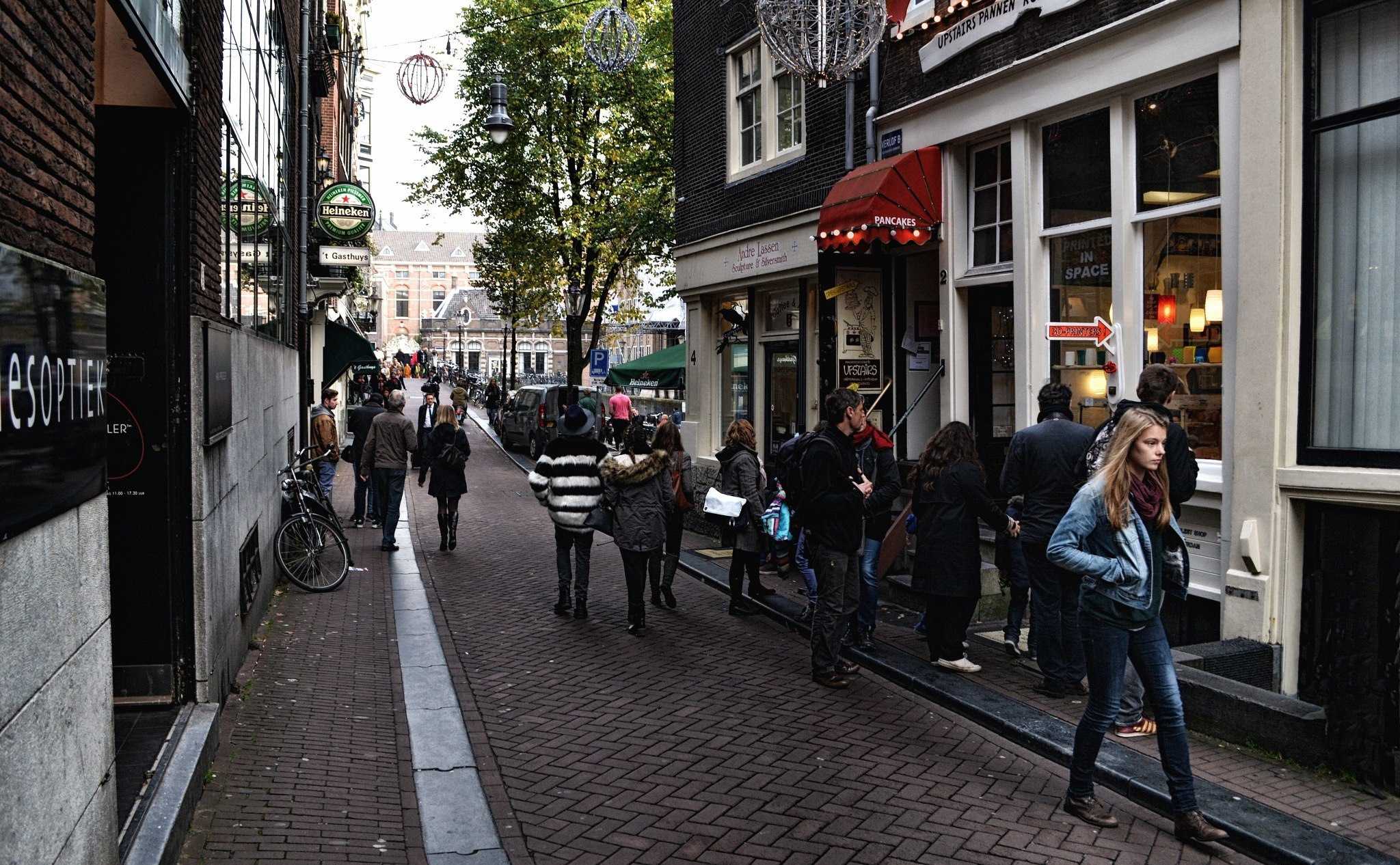 A street in Amsterdam by Fred Matos