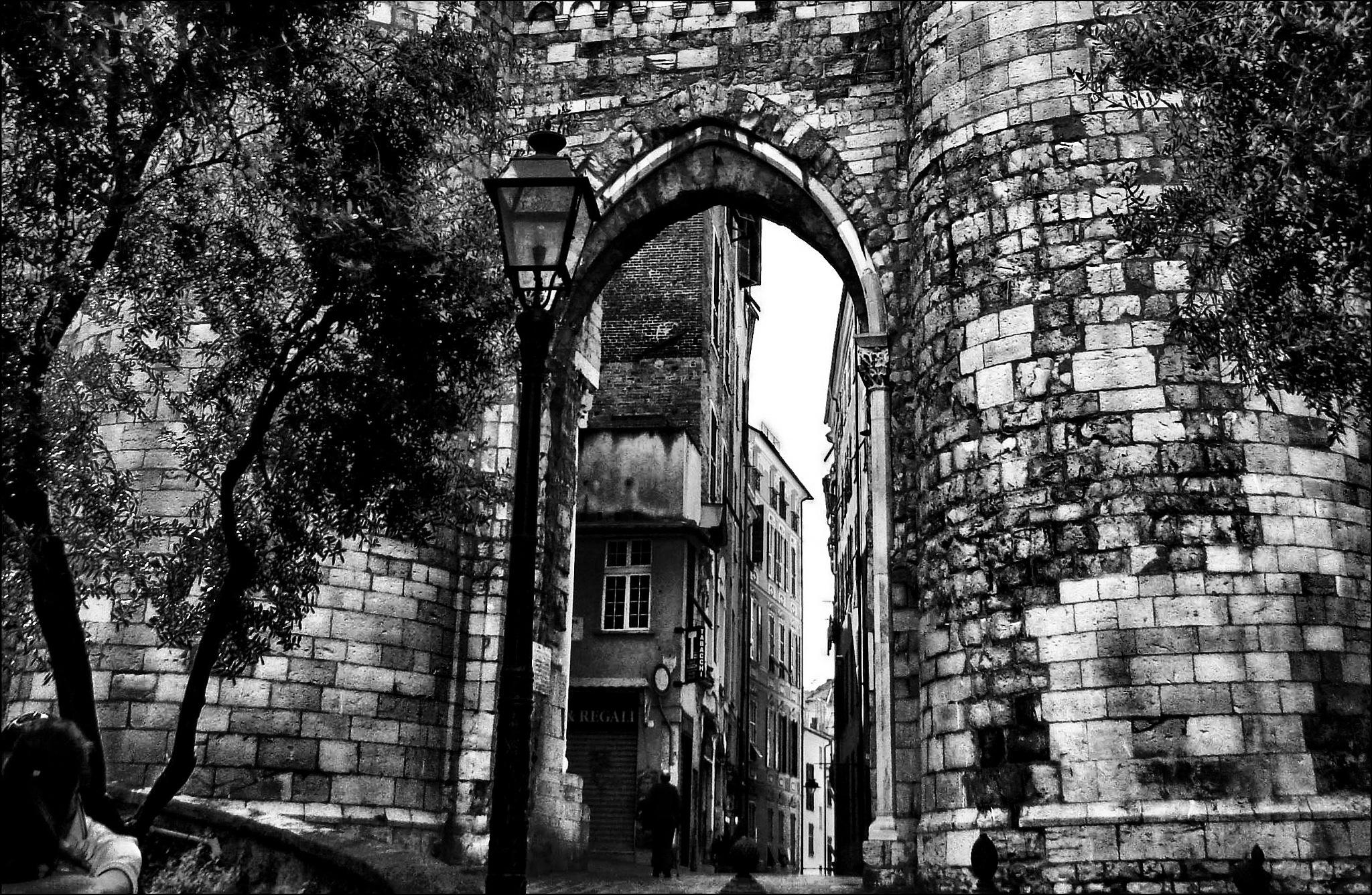 Porta de Sant'Andrea [Porta Soprana] by Fred Matos