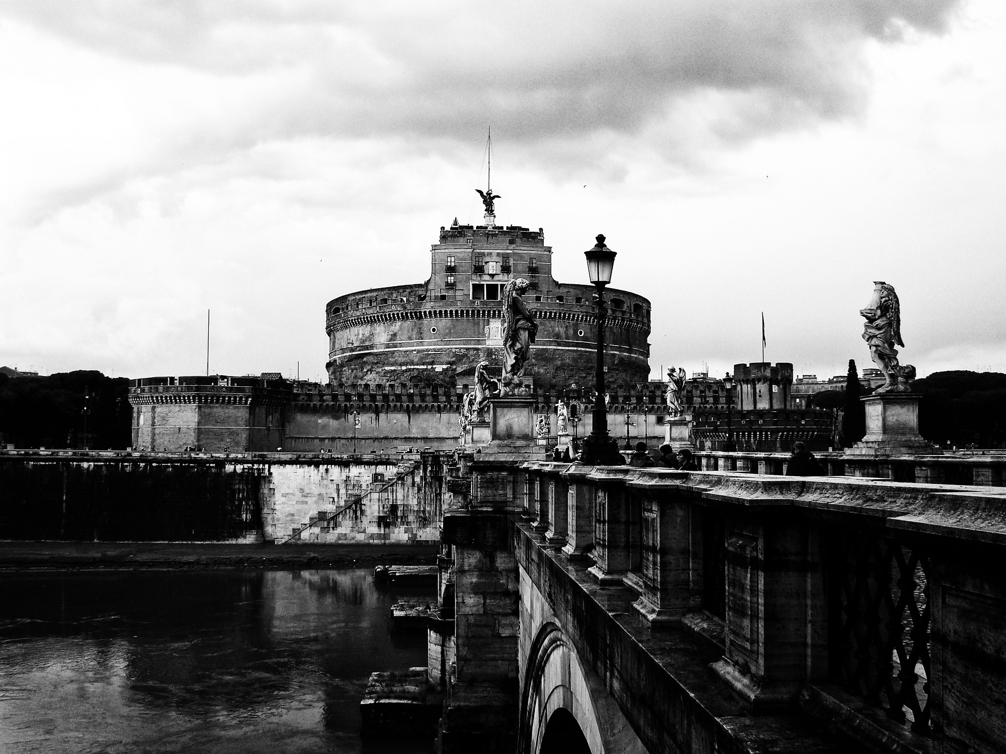 Castel Sant' Angelo - b&w version by Fred Matos