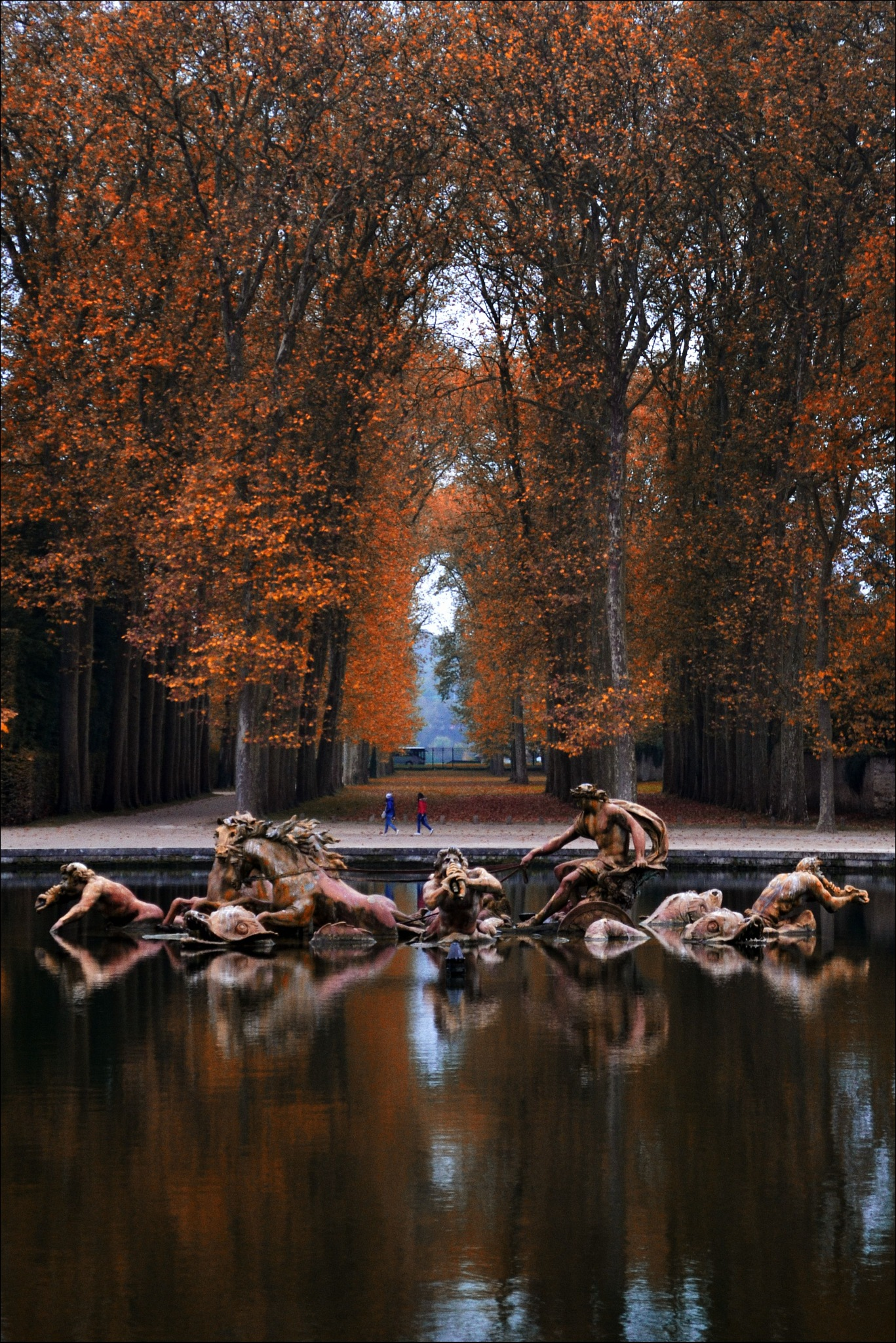Fontaine d'Apollon by Fred Matos