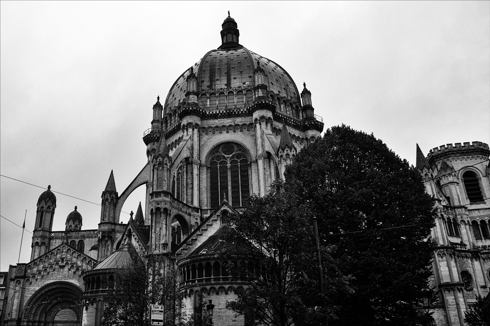Église Royale Sainte-Marie by Fred Matos