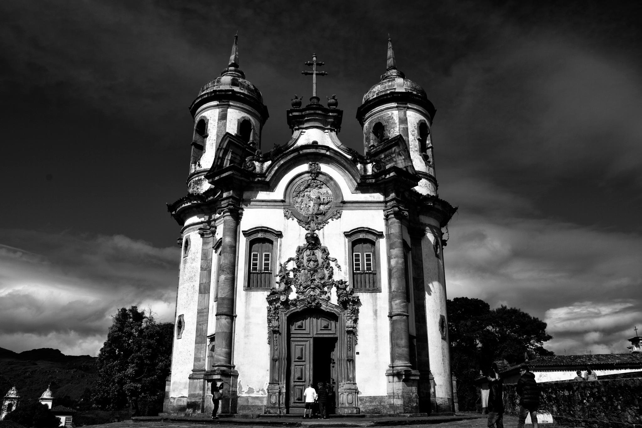 Igreja de São Francisco de Assis  [b&w version] by Fred Matos