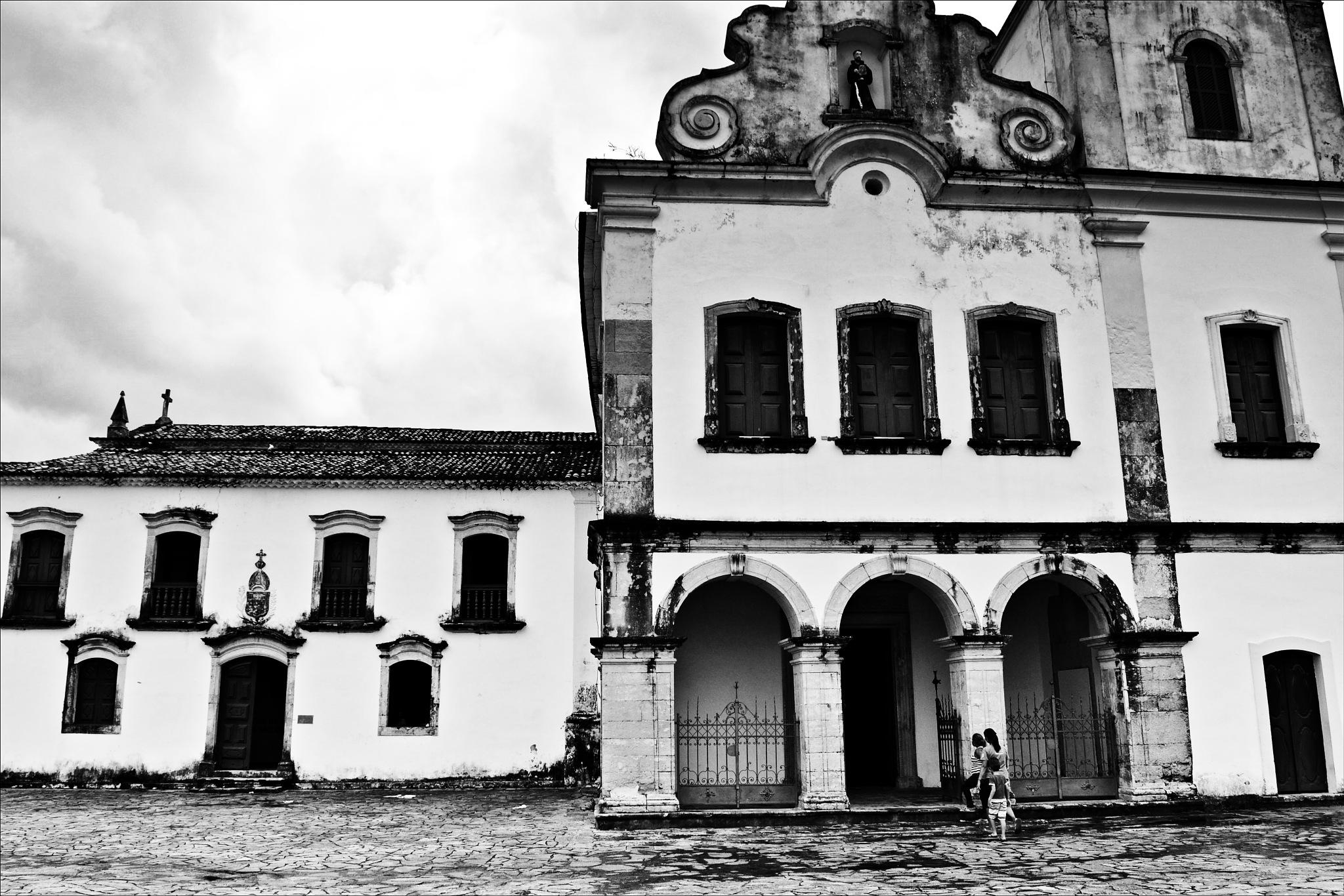 Igreja de São Cristóvão  by Fred Matos