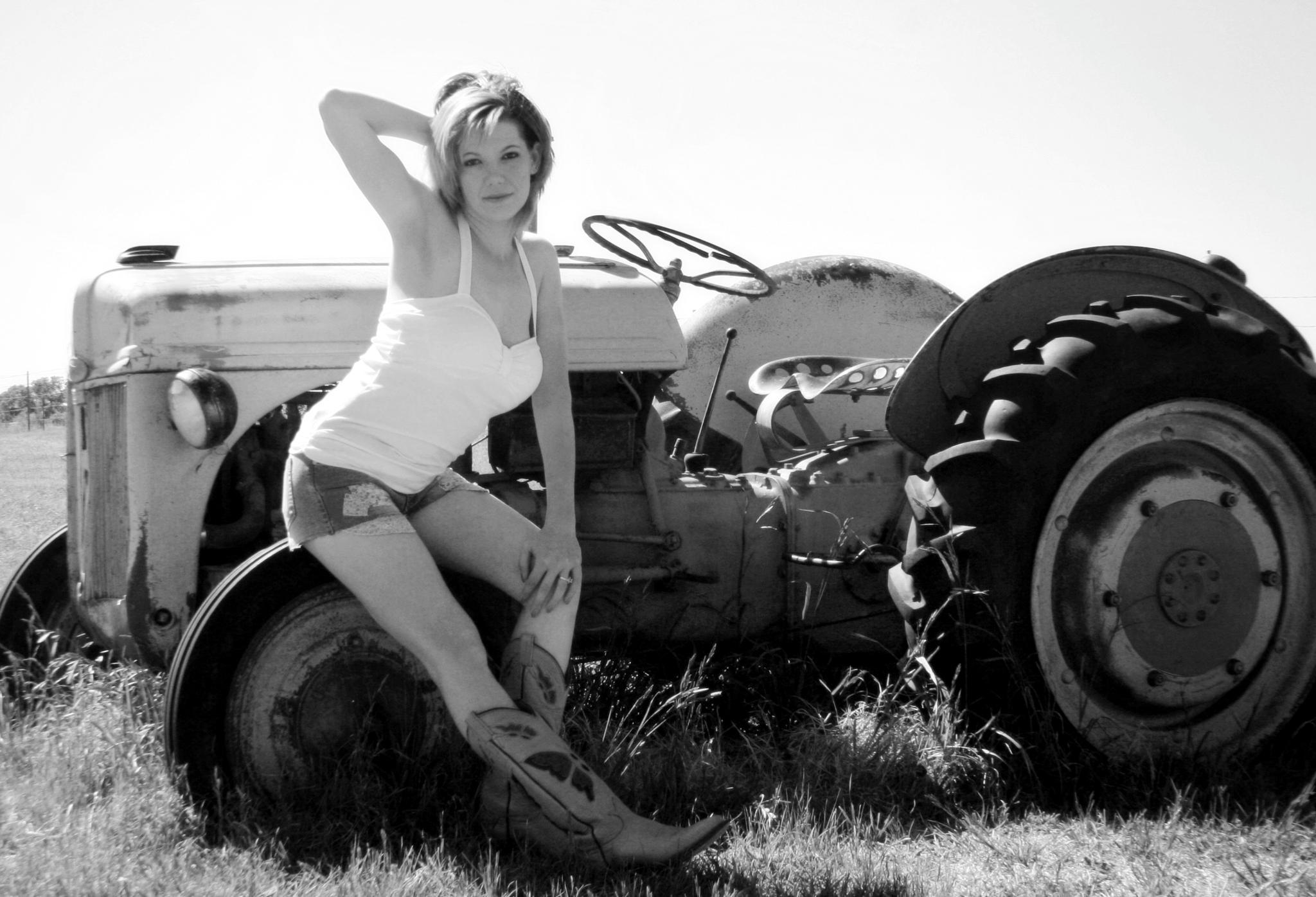 Farm Help by Michelle Davis Photography