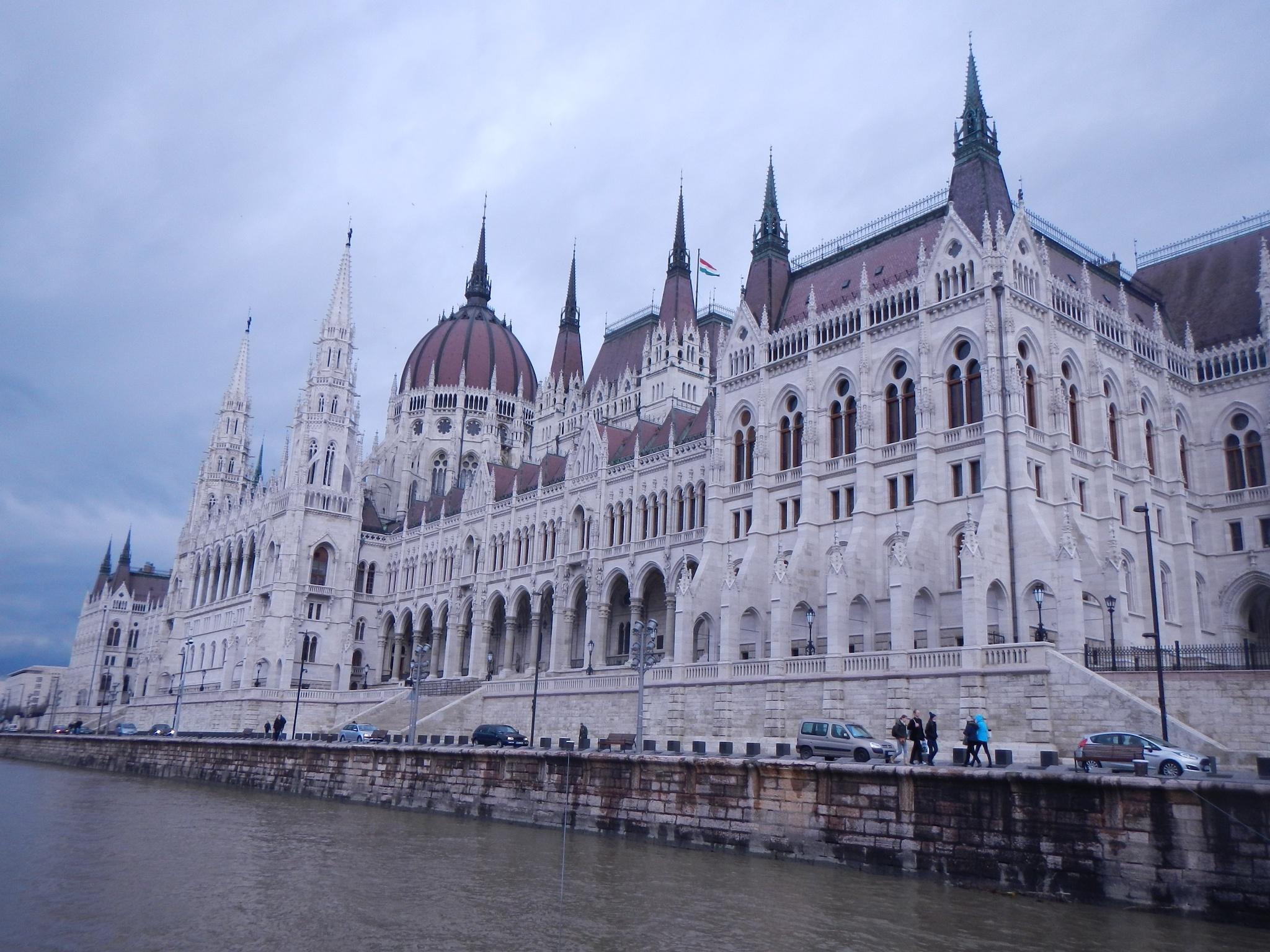 BUDAPESTE  3   Hungarian Parliament Building by Saygın Saner