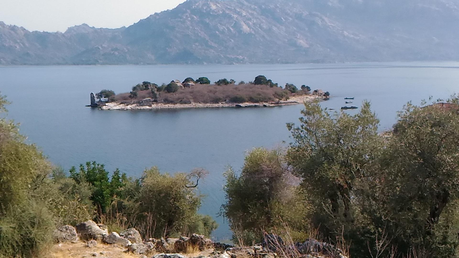 Bafa lake by Saygın Saner