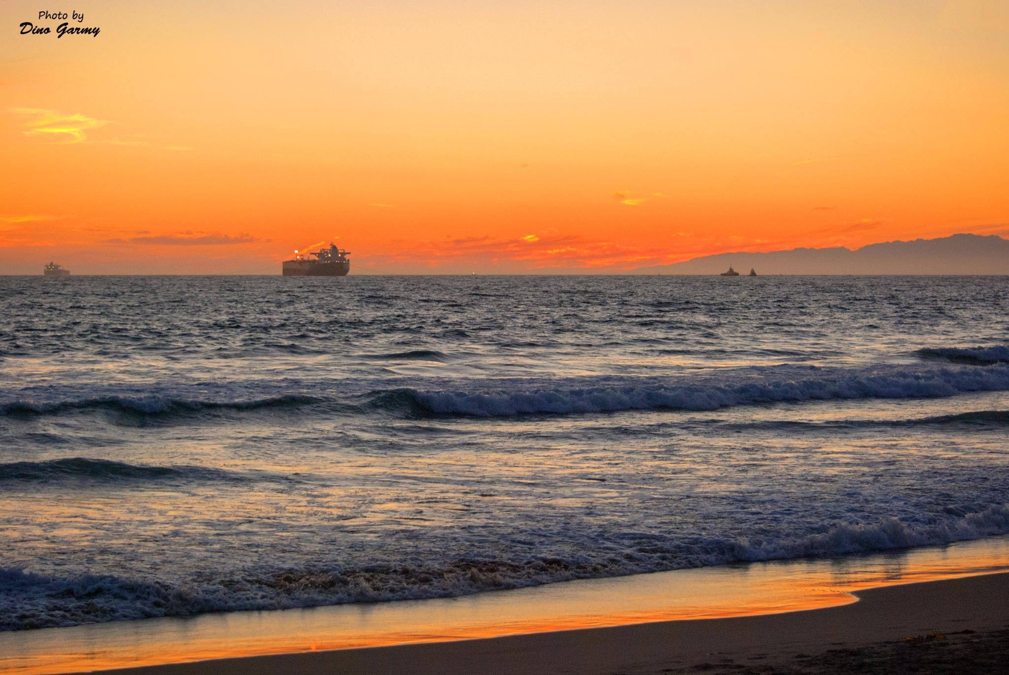 Manhattan beach sunset by Dino