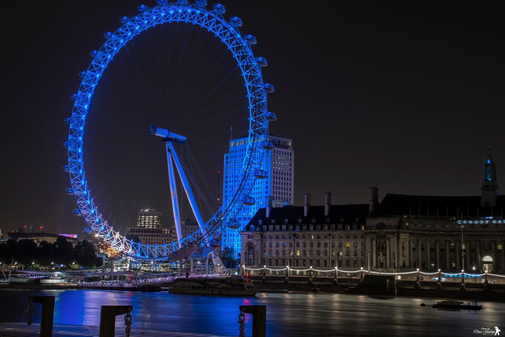 London eye by Dino