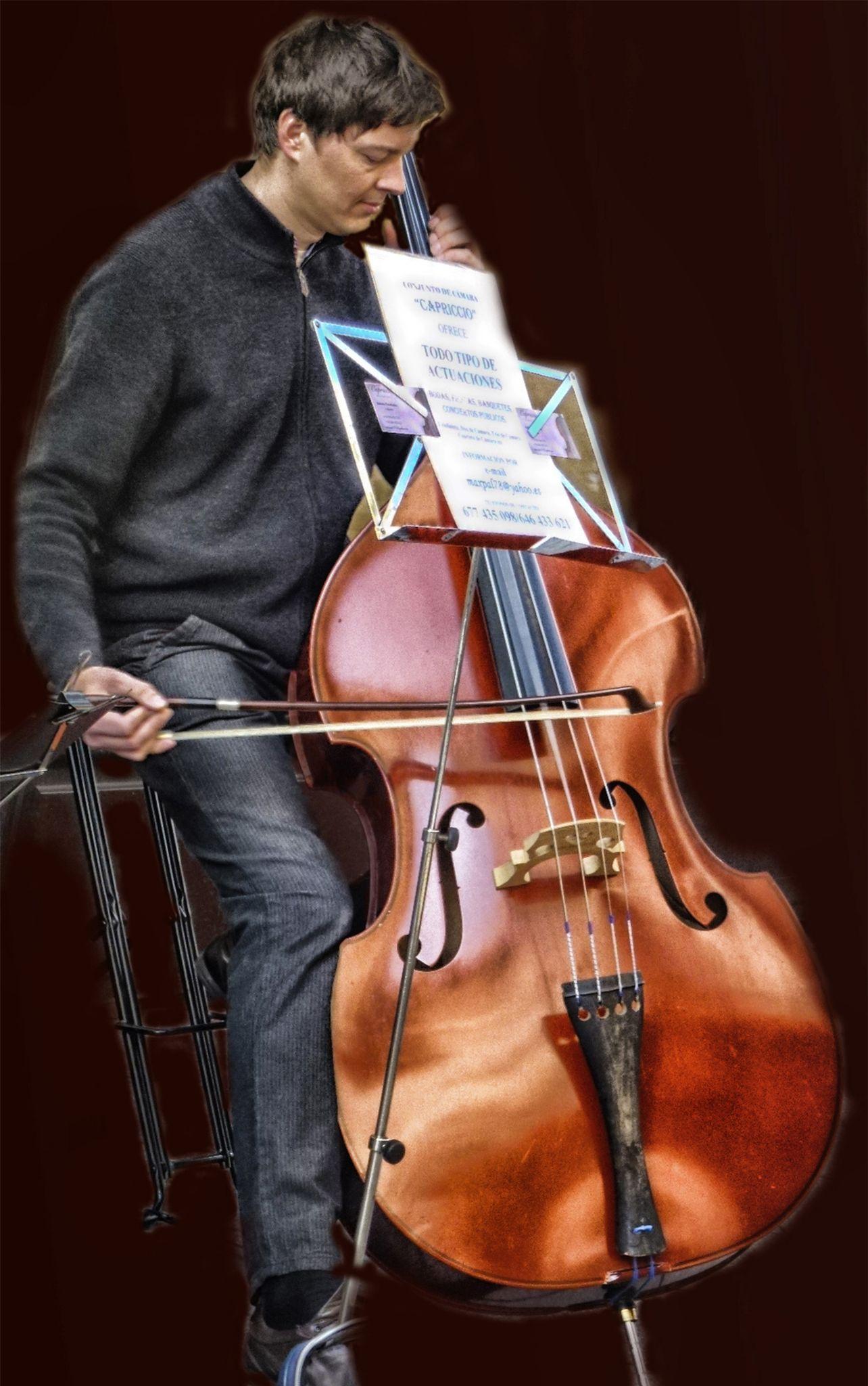 Música en la calle by lolacamachotroyano