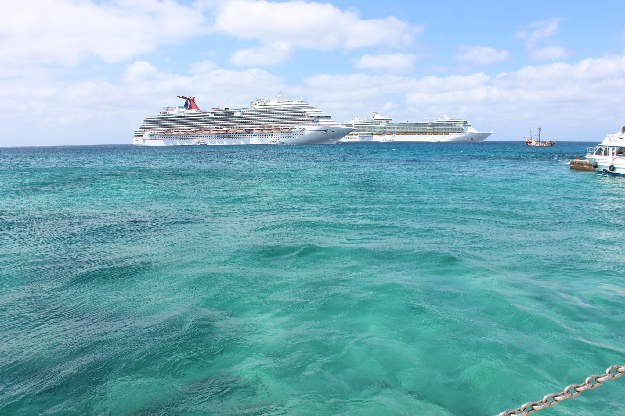Tendering in Grand Cayman by PennypHall
