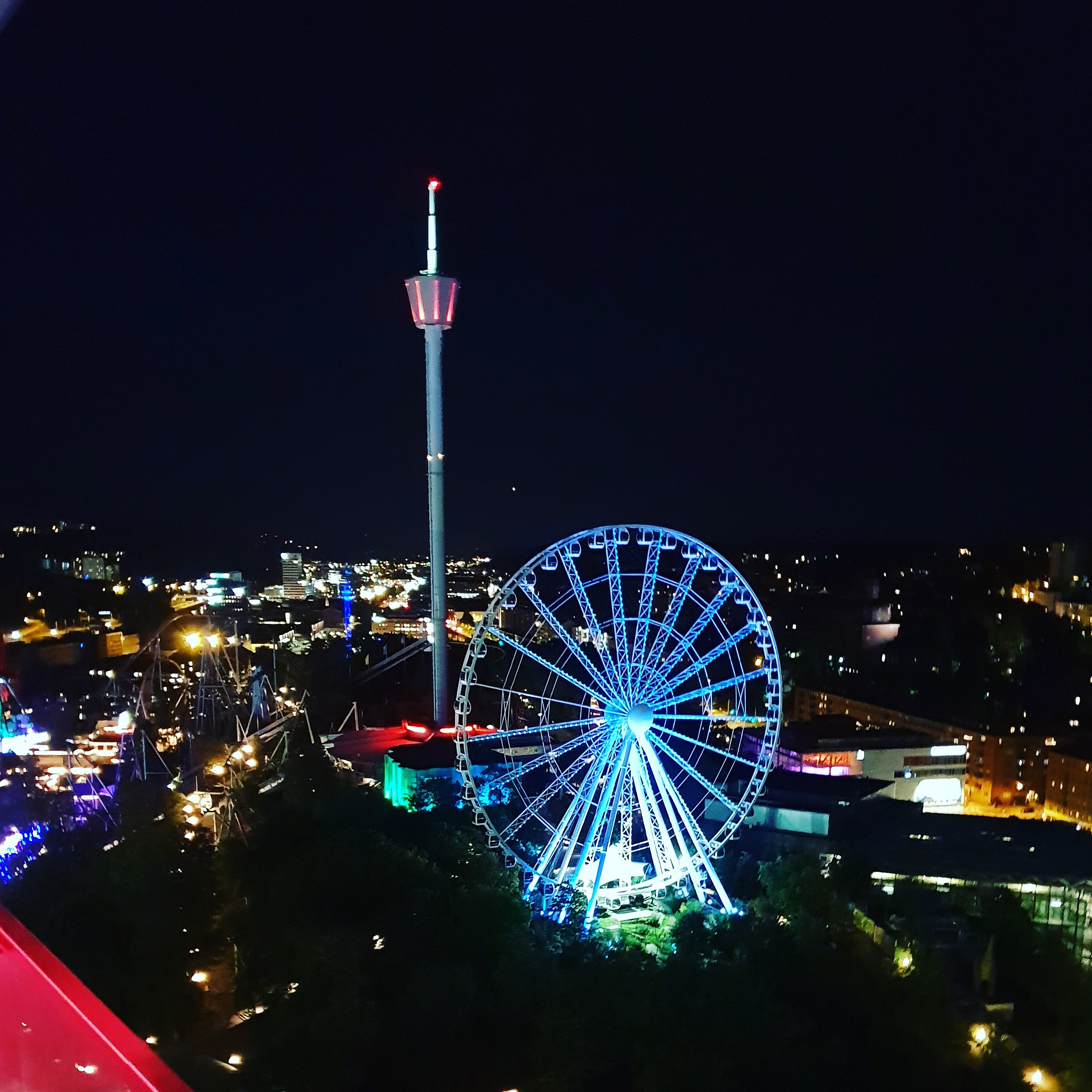 Liseberg by night by Robert