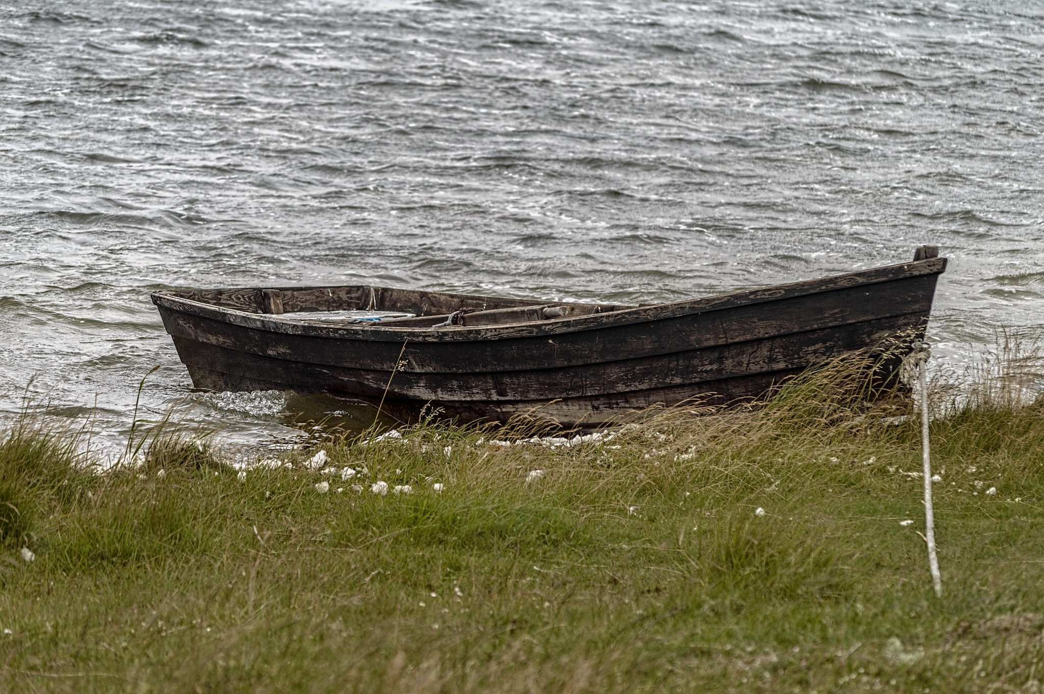 Old boat by Micke Seise