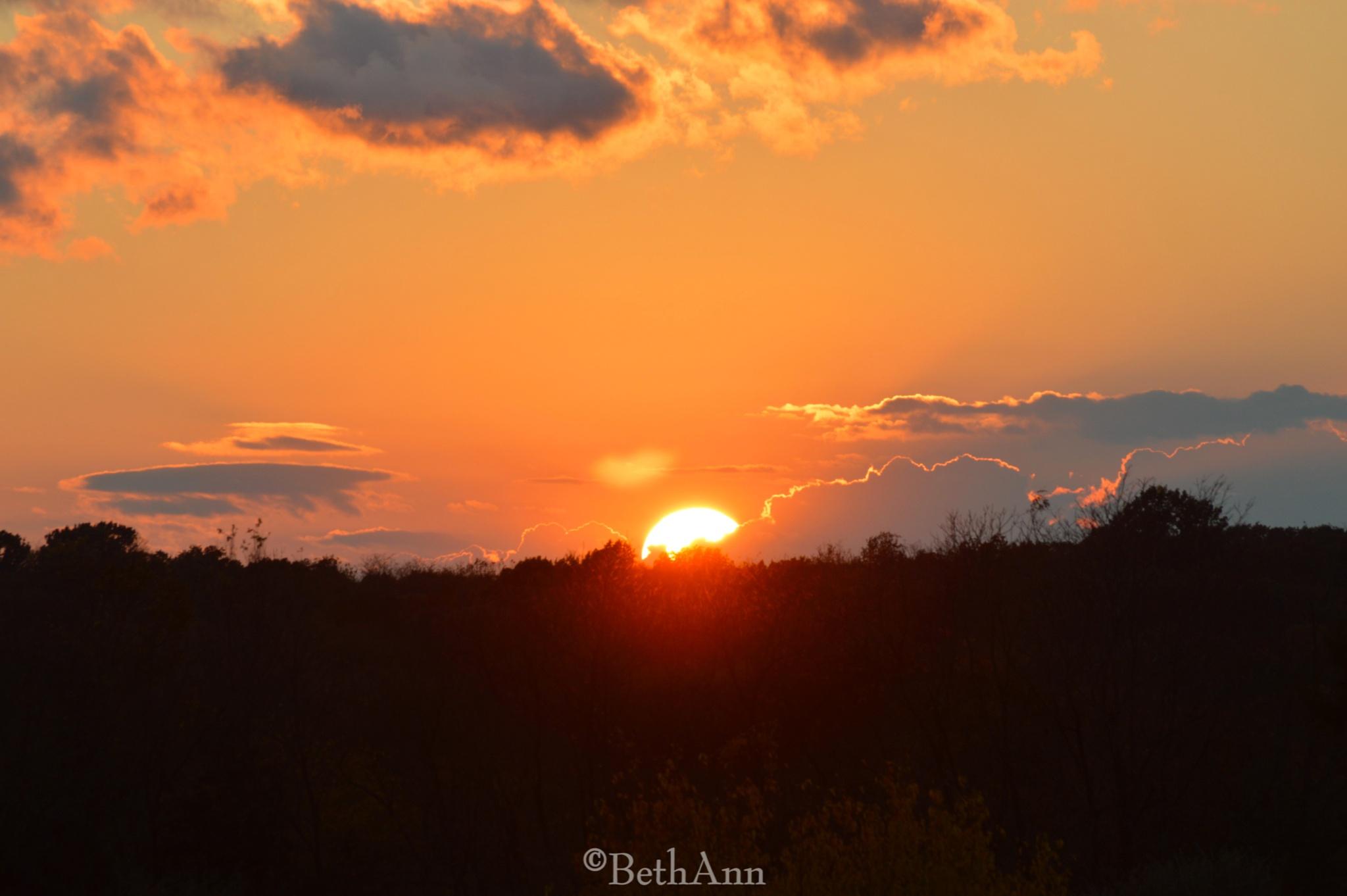 Sunset by beth.bragawnettleton