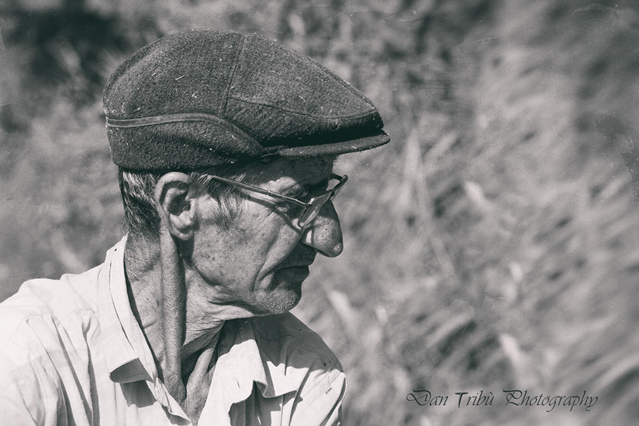 Lipovan fisherman in Danube Delta by Dan Tribù