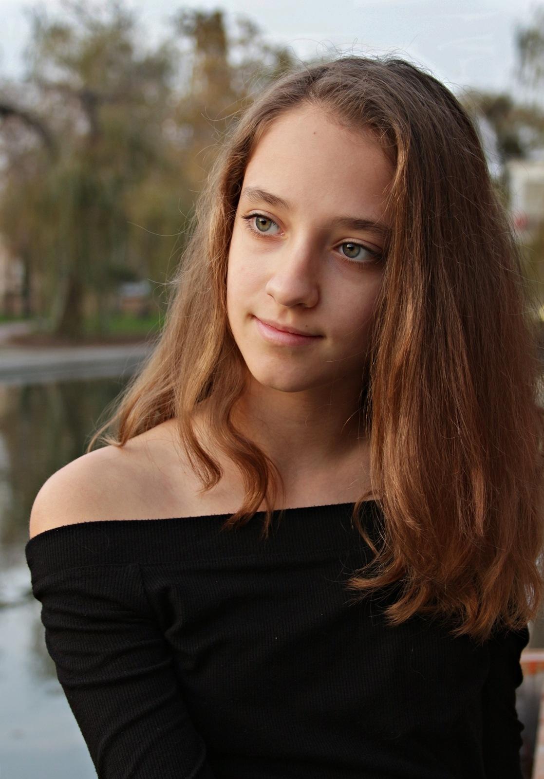 Kamilla seria/2 by Ilona Bontovits