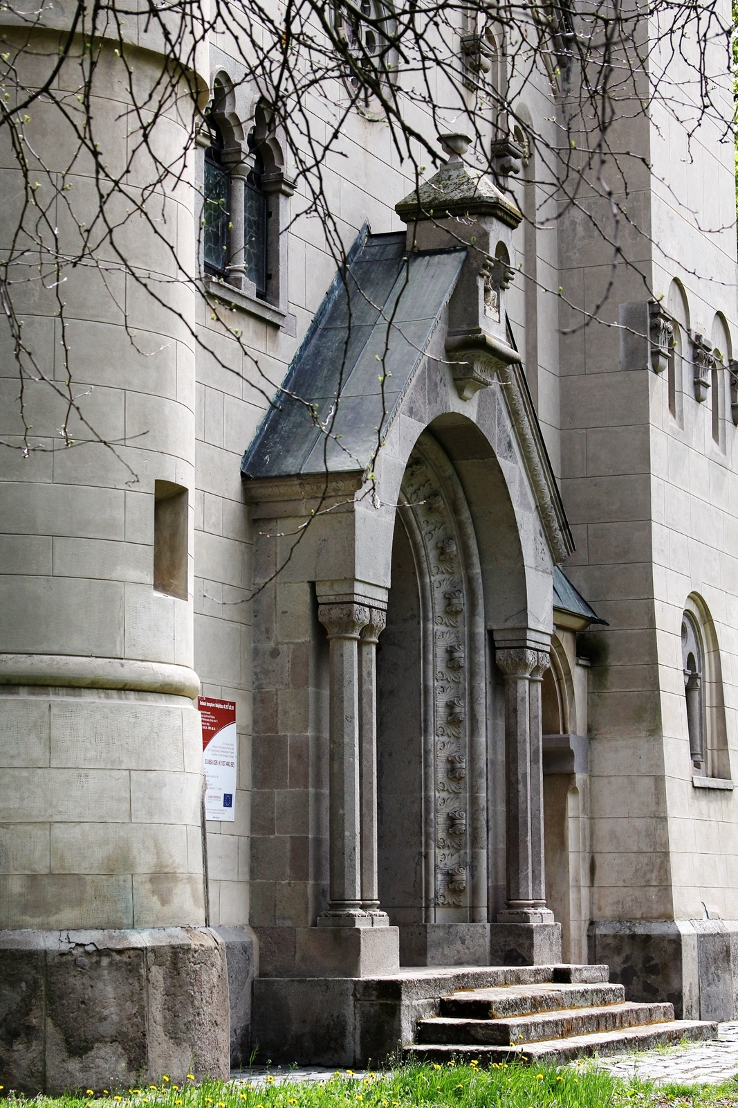 Chatolic church by Ilona Bontovits