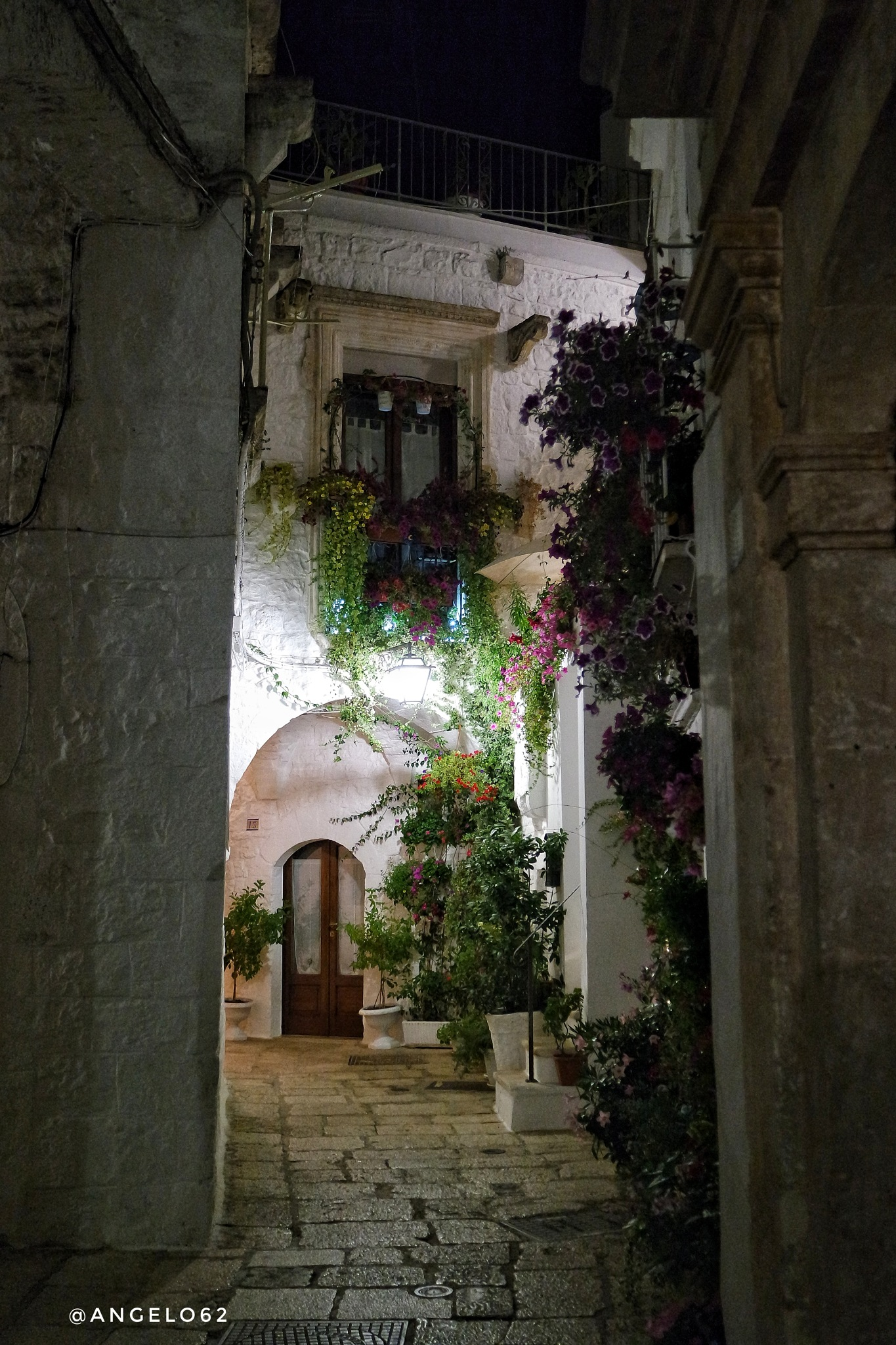 Cisternino by night  by Angelo62