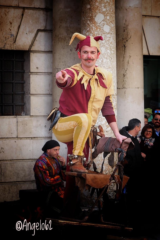 Esibizione di piazza  by Angelo62