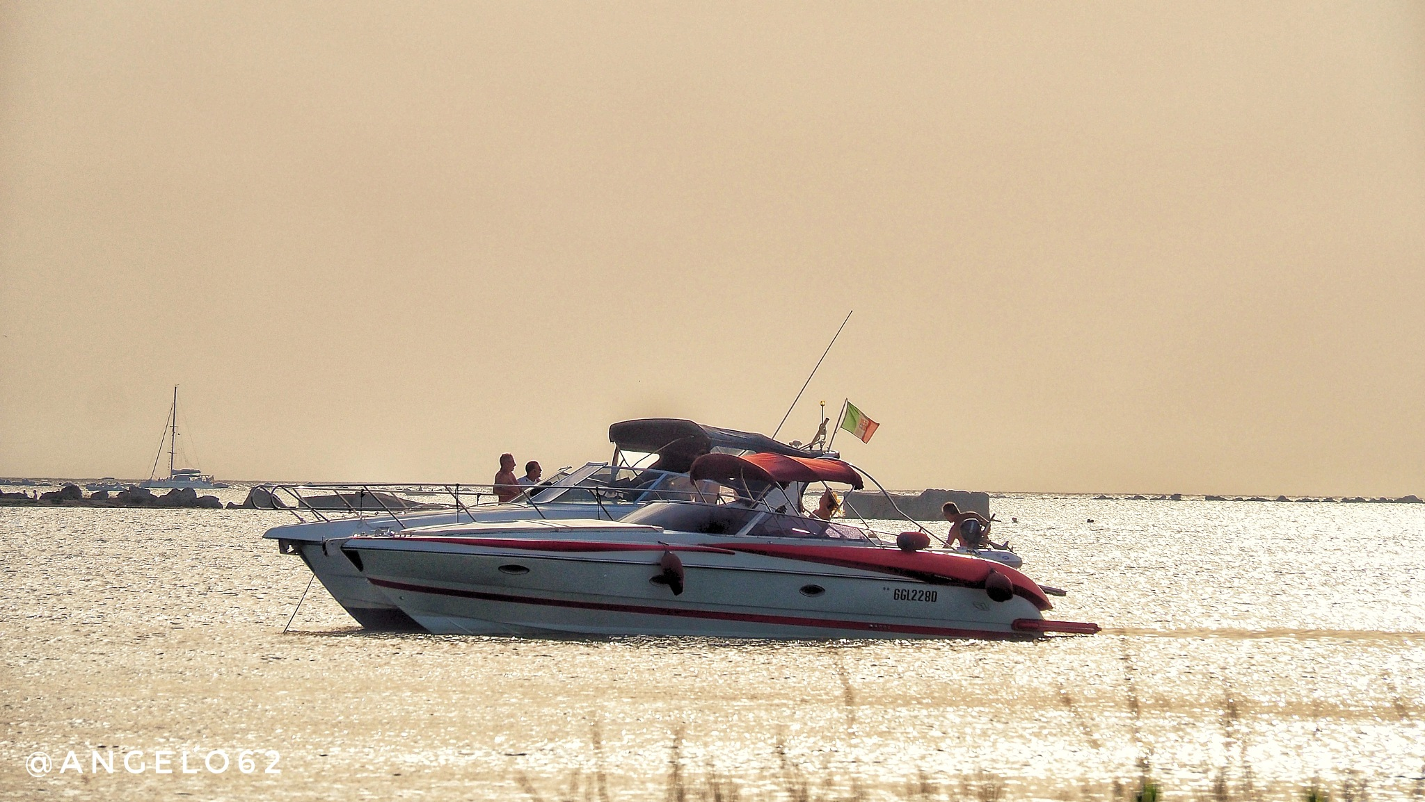 Barca al tramonto  by Angelo62