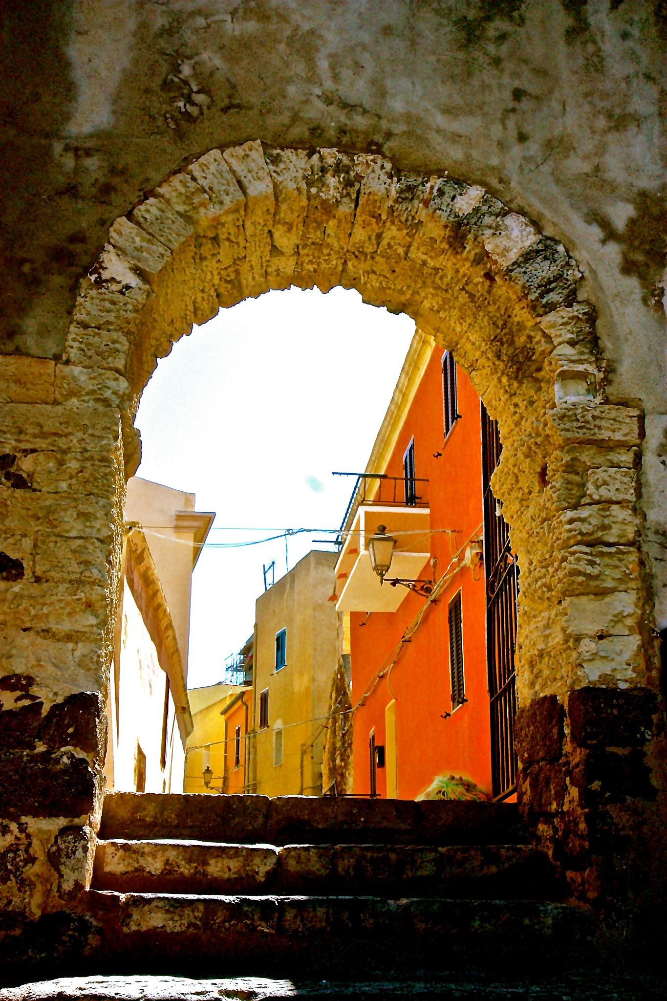 Gateway to history by Steven Thomas Densley