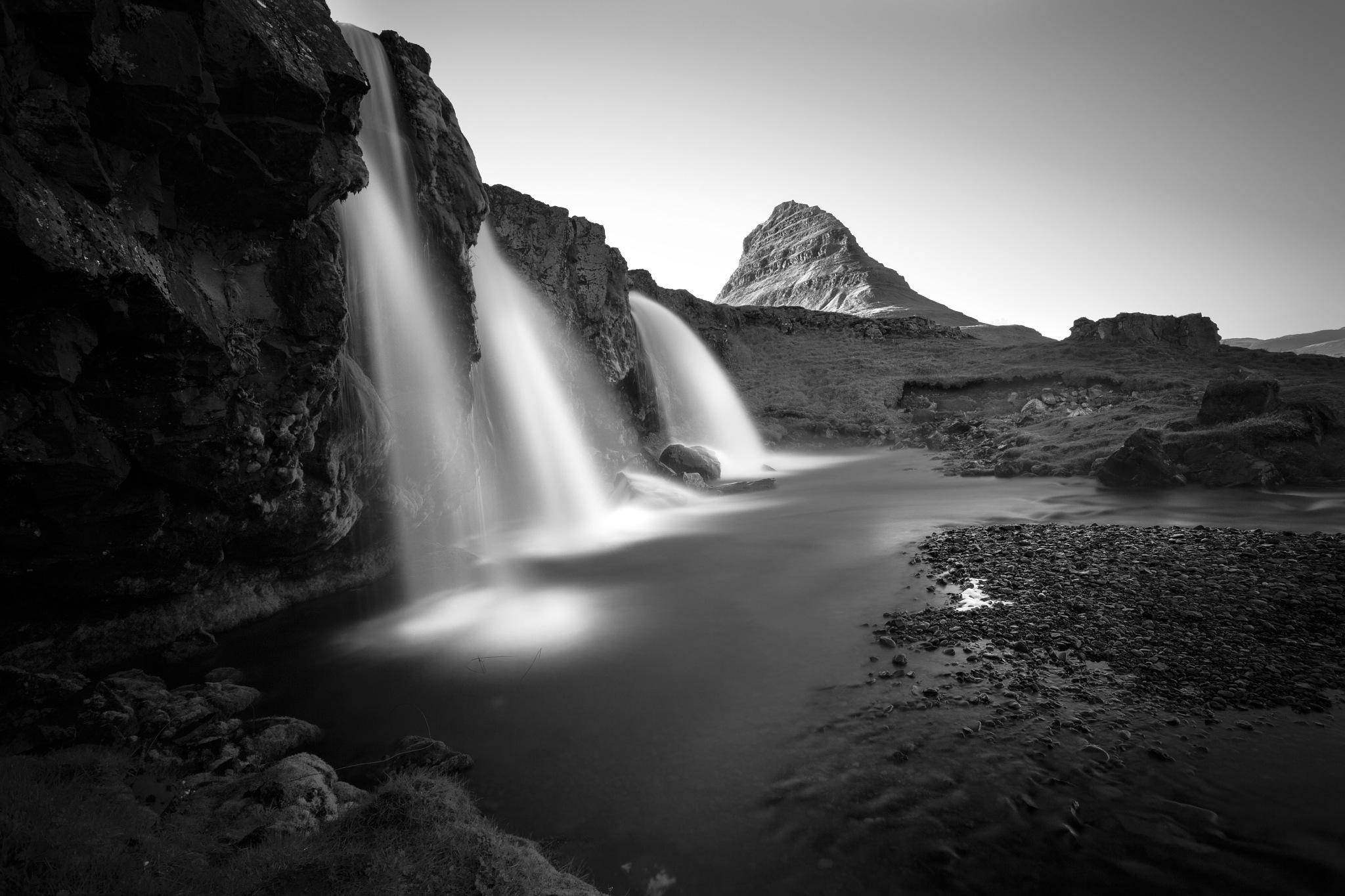 kirkjufellsfoss by LidiaVanhamme