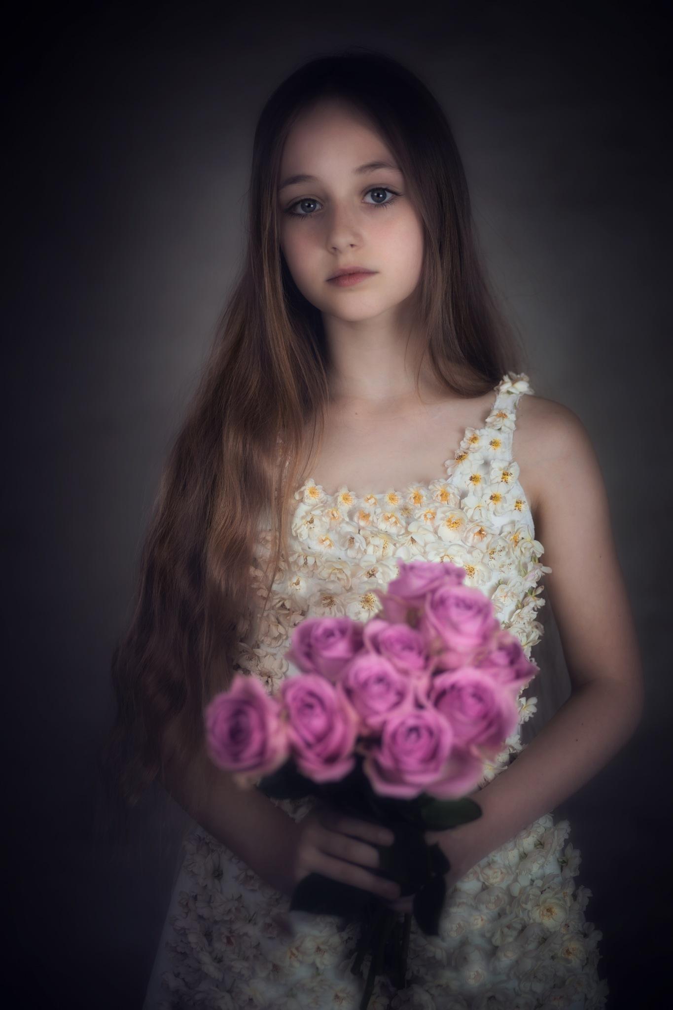 Fleur parmi les fleurs by LidiaVanhamme