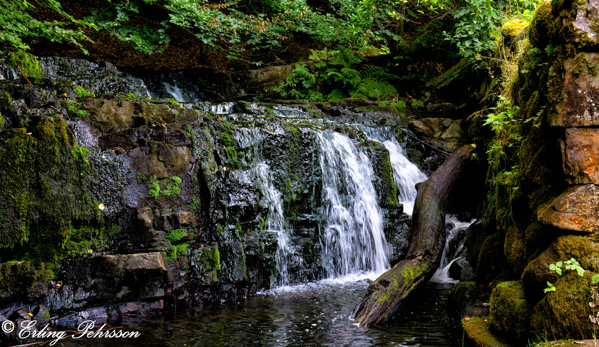 a small waterfall by erling.pehrsson