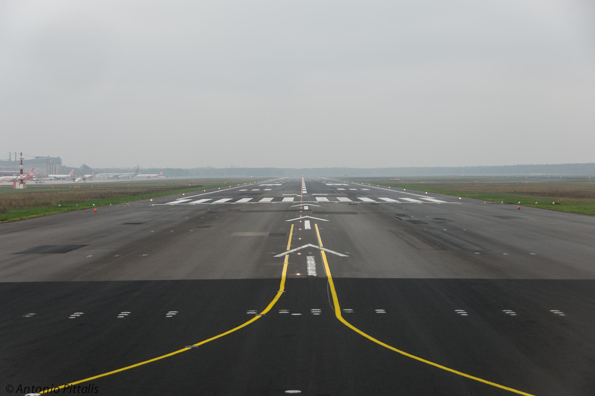 Tegel runway by Antonio Pittalis
