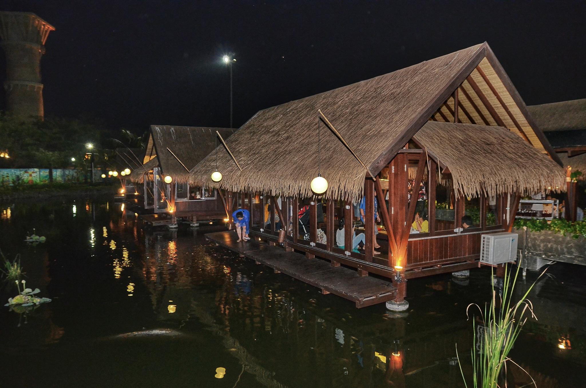 Nice place to eat by bambang irawan