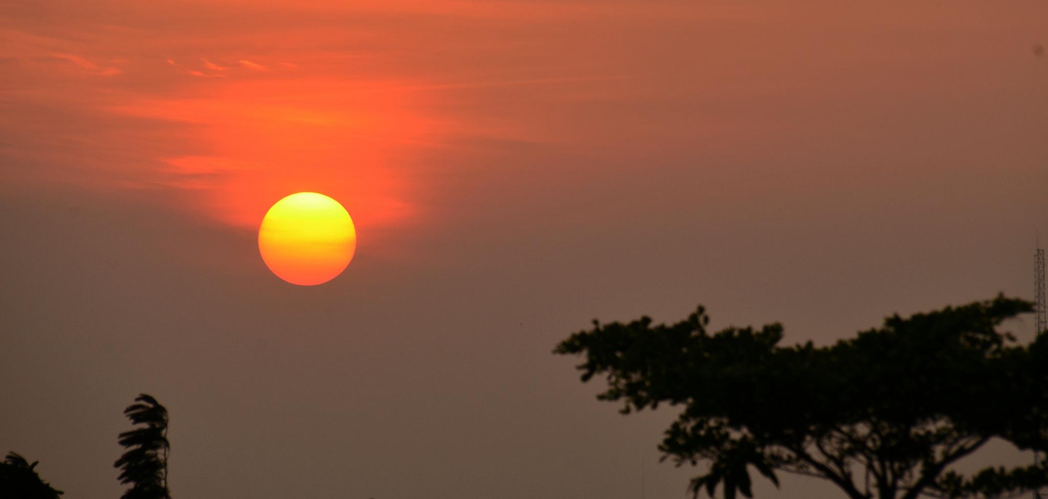 Sunset in Jakarta by bambang irawan