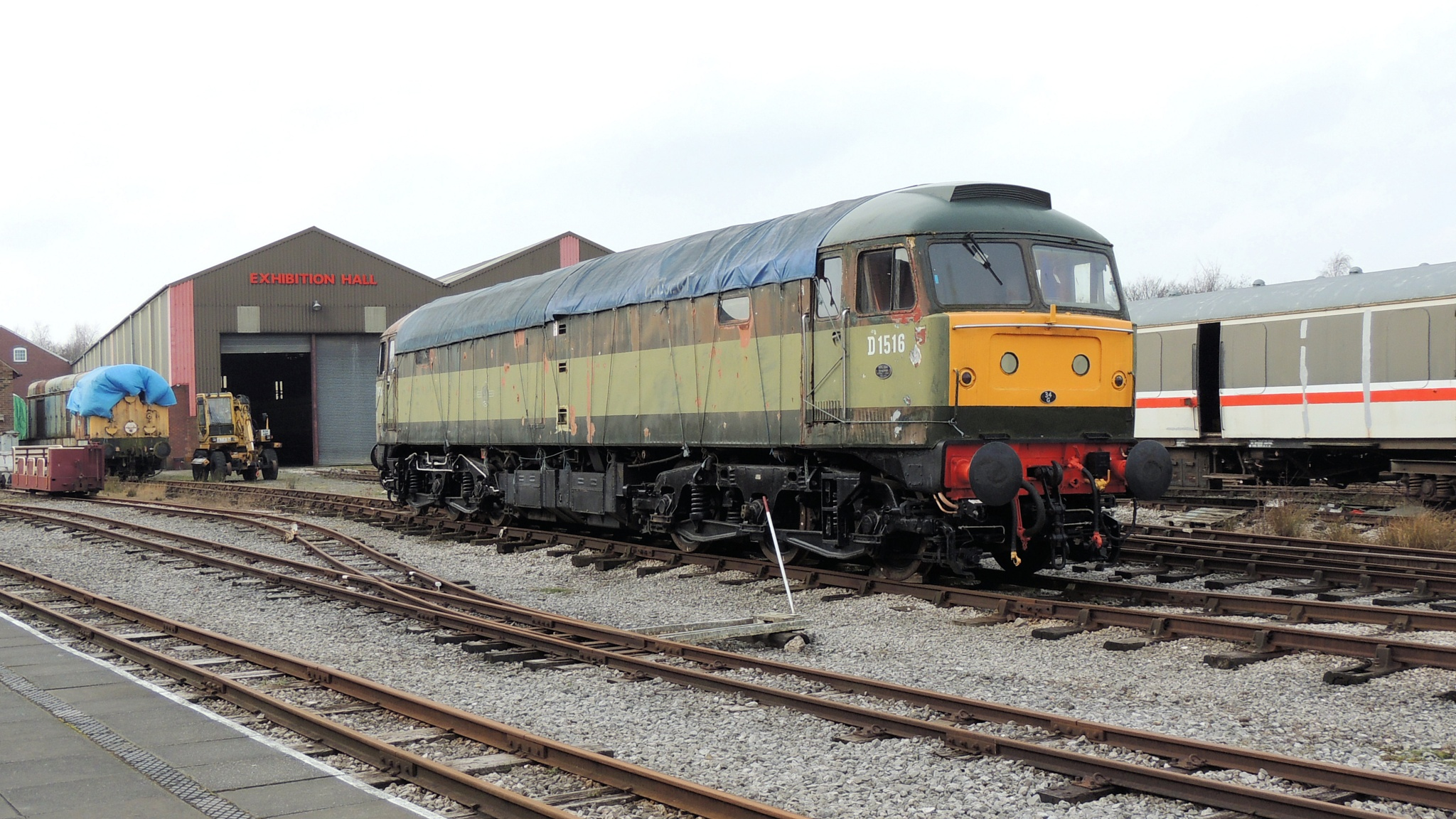 Class 47 - D1516 Co-Co Diesel Electric Locomotive by Graham Wood Photo Collection