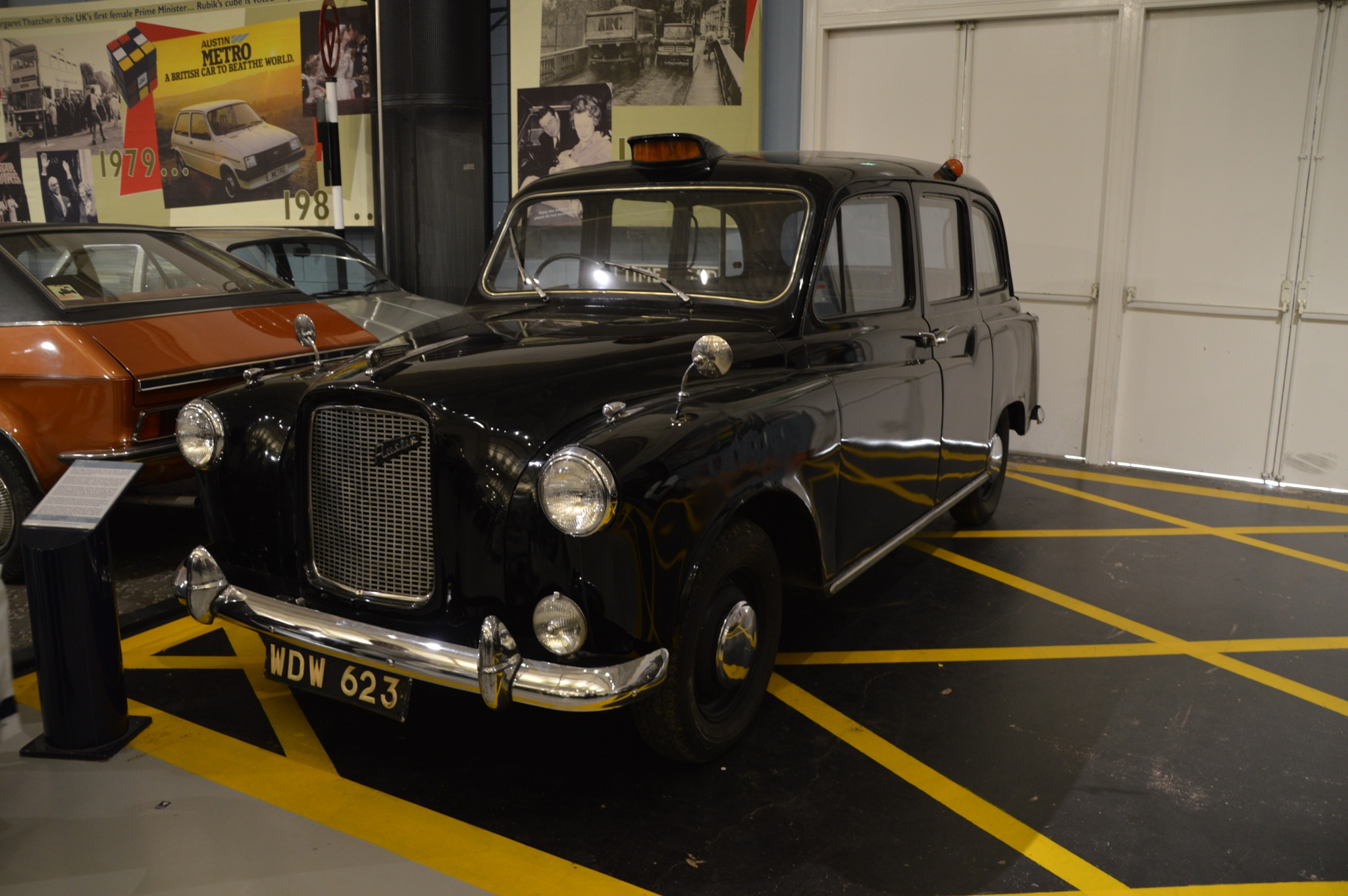 Austin TX4 Taxi - WDW 623 - 1961 by Graham Wood Photo Collection