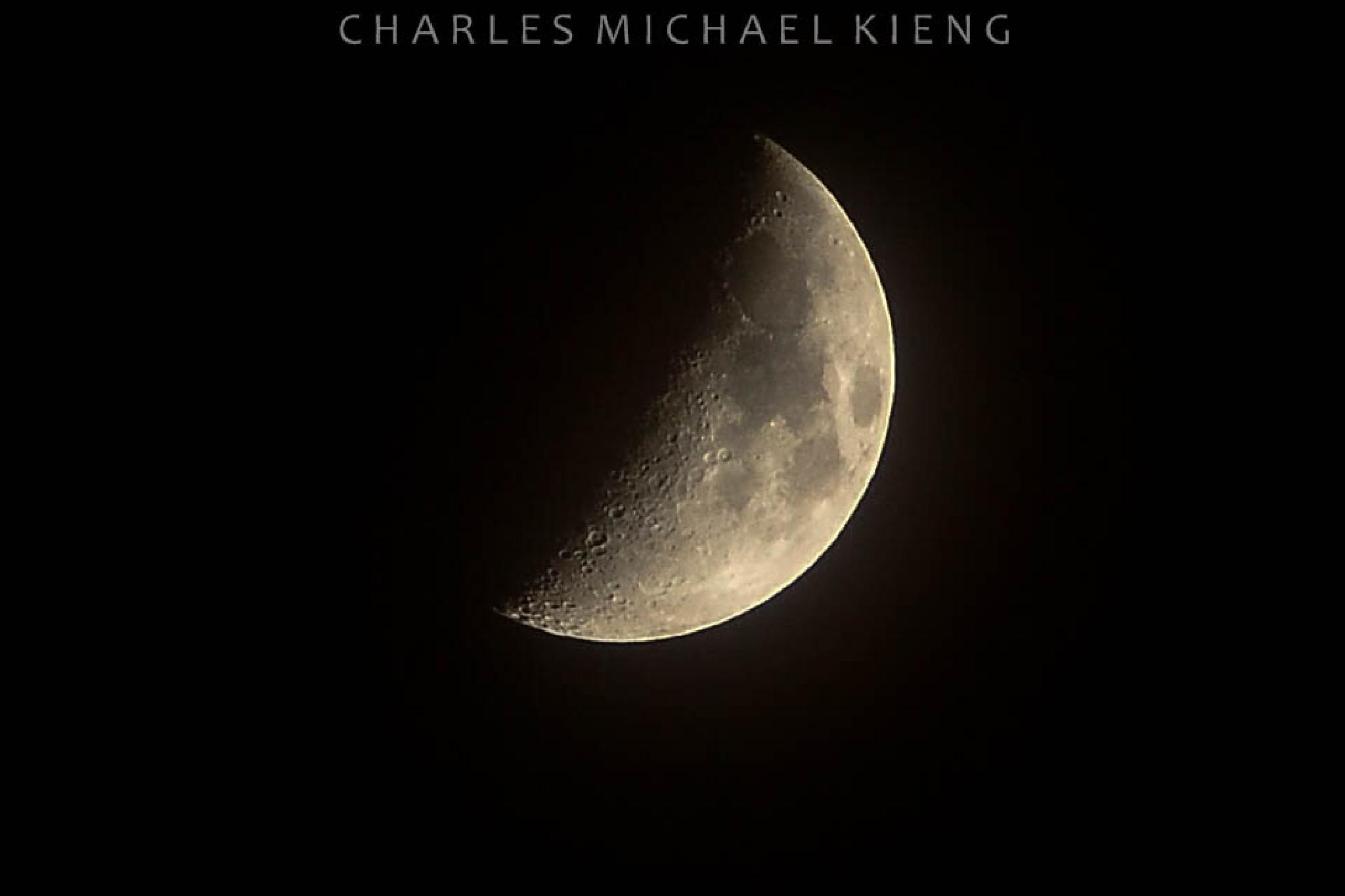 moon by Charleskieng