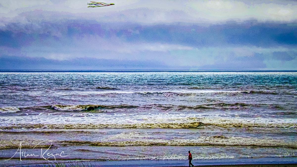 Walk on the Beach by allan.rezac