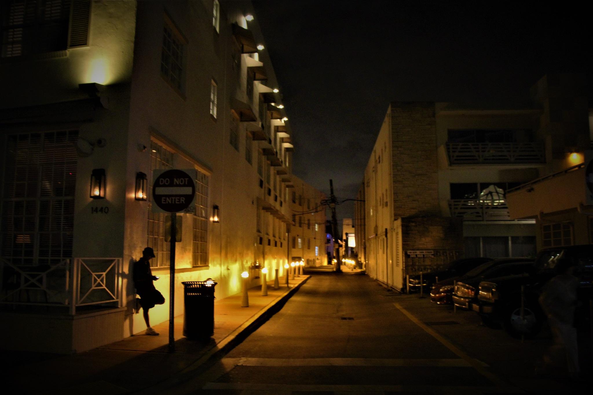 Night street by Adam Wyciszkiewicz