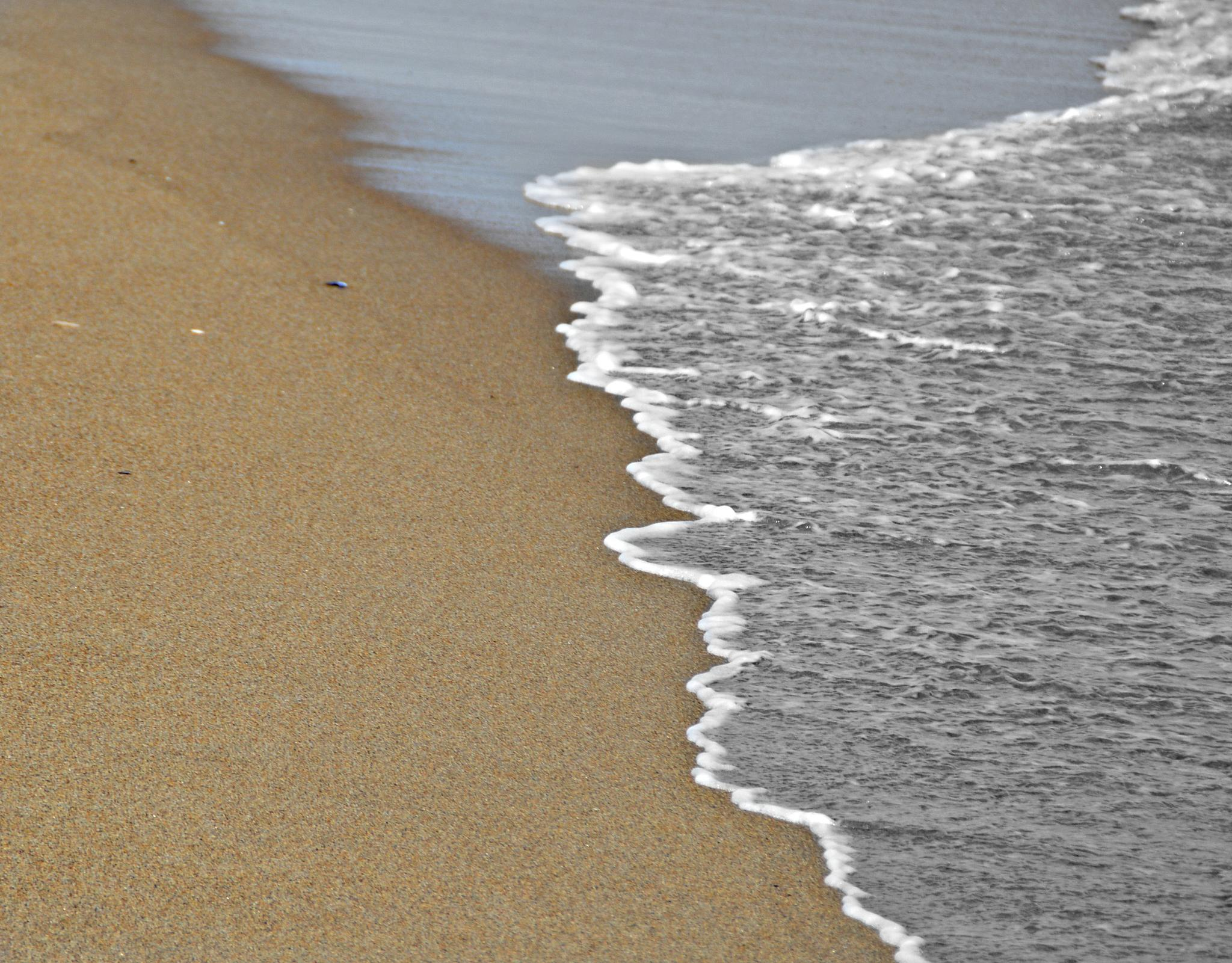 The calm at the beach by lisalovespictures