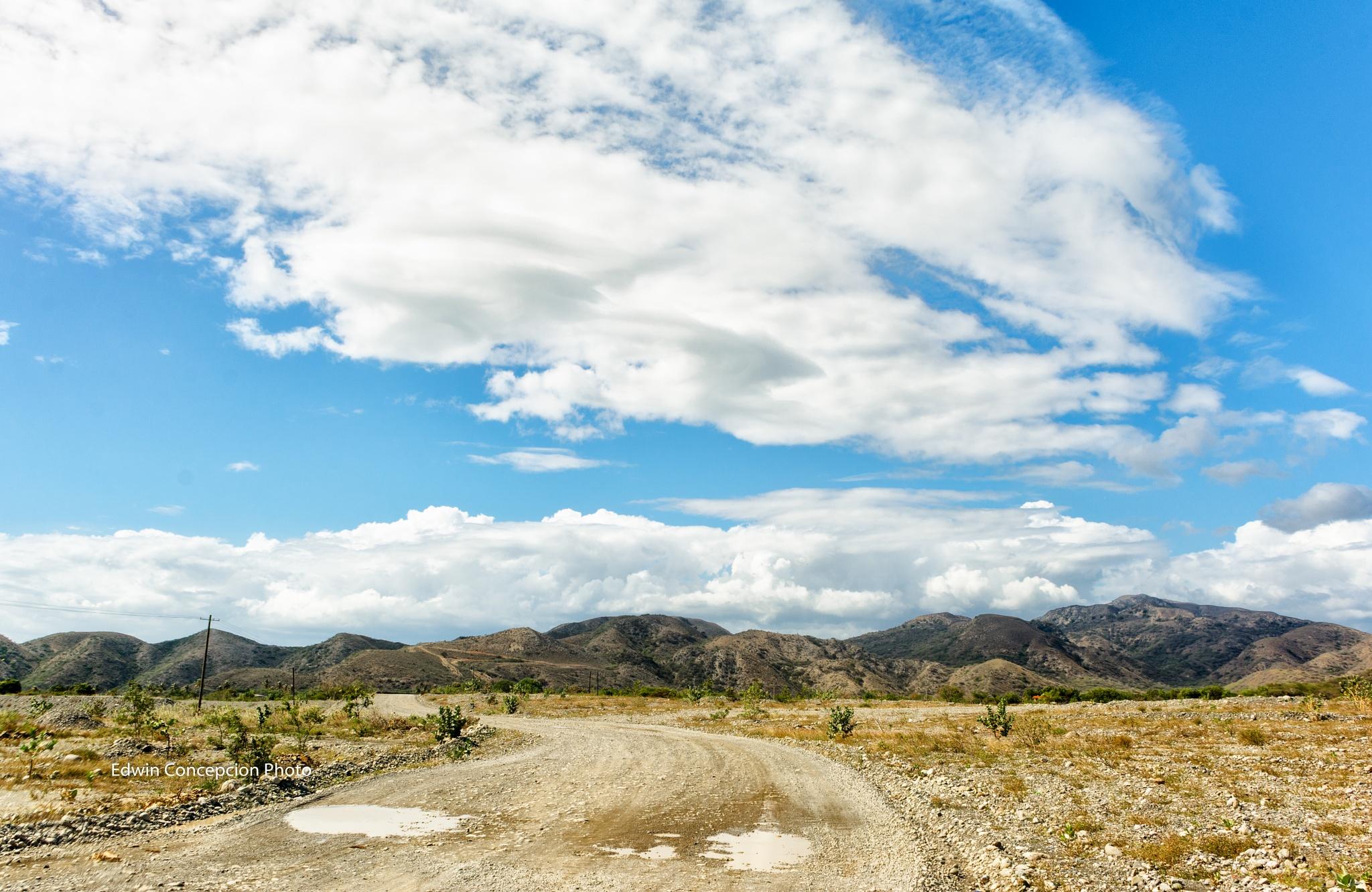 Road to Parasie by Edwin Concepción