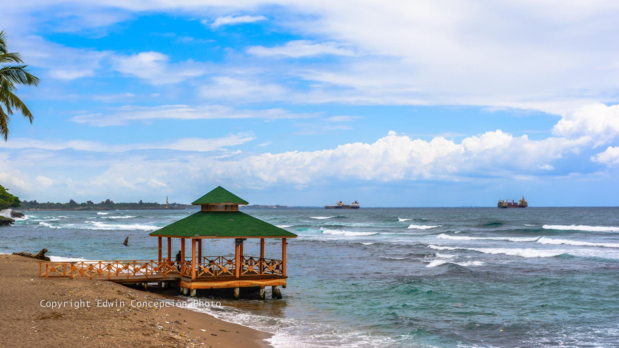 Playa de Guibia, Santo Domingo, Dominican Republic by Edwin Concepción