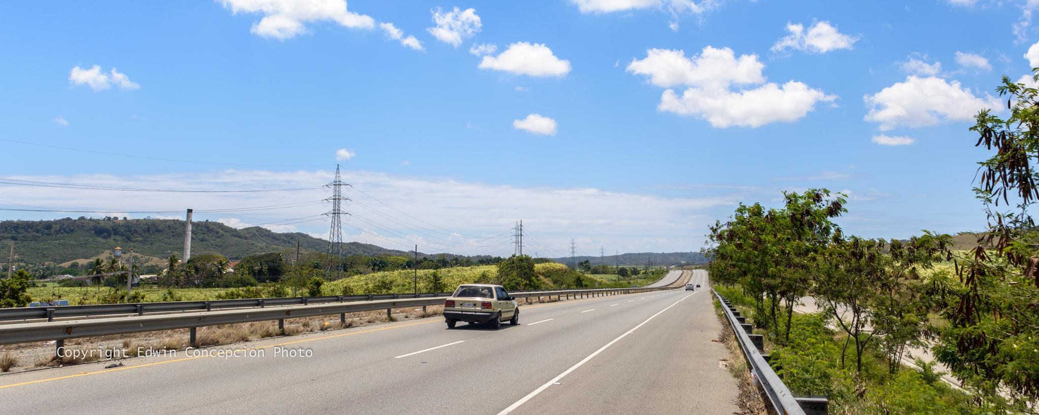 Long road to Bani by Edwin Concepción