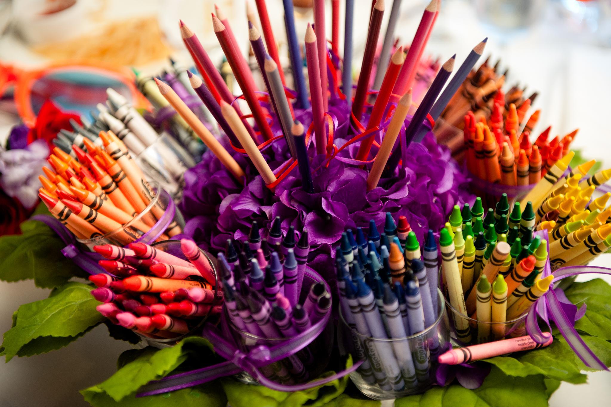 Crayon Centerpiece by tanzicakes