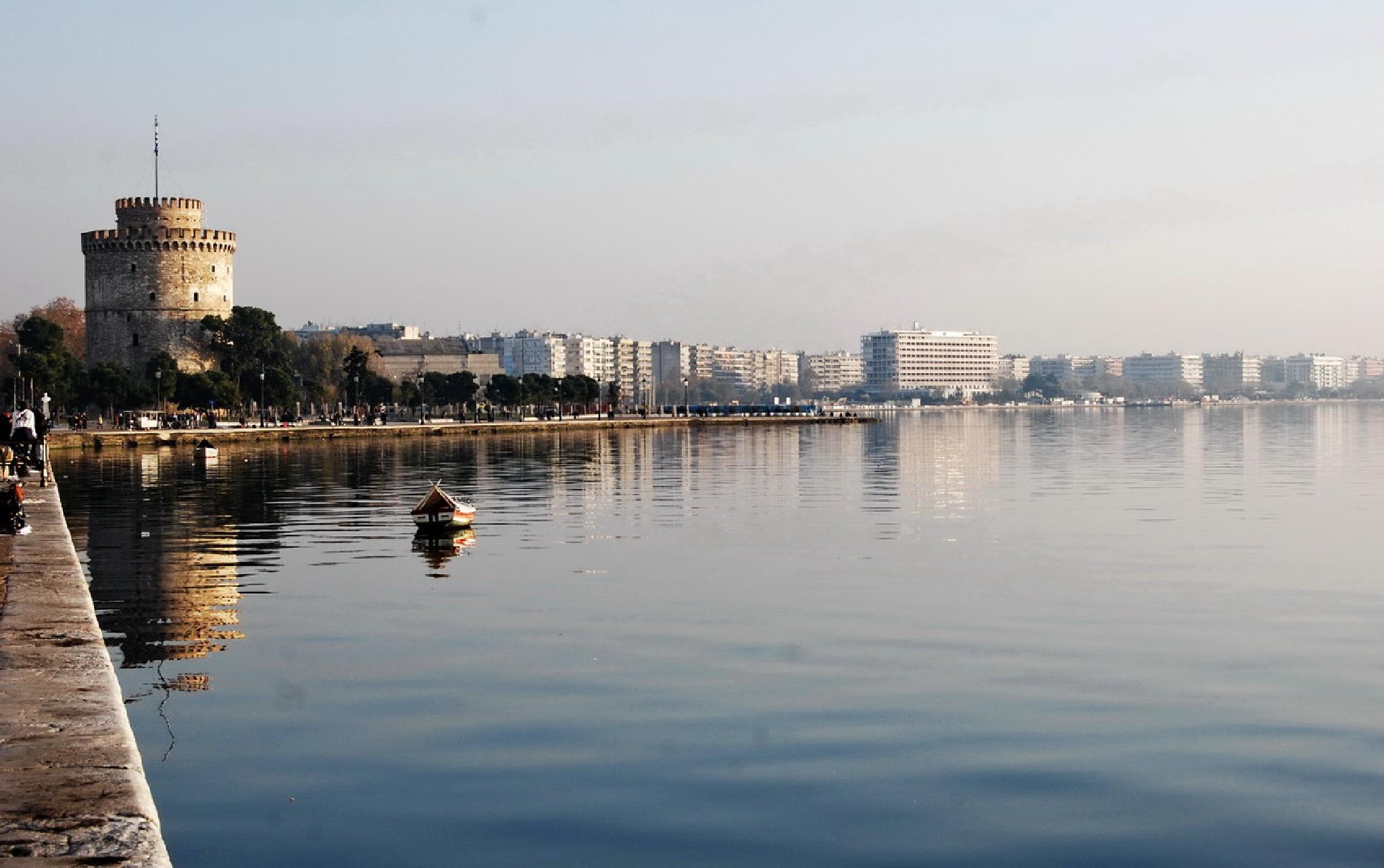 Thessaloniki by Lampros Ntoulas