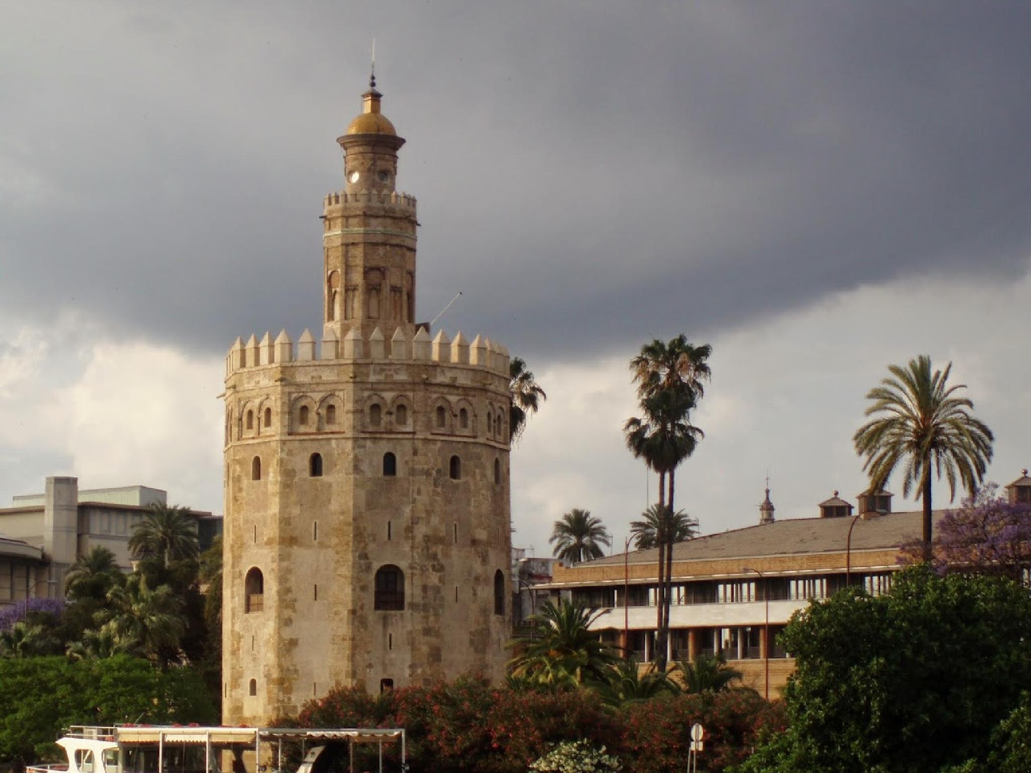 Torre de Oro  by aida.carpena